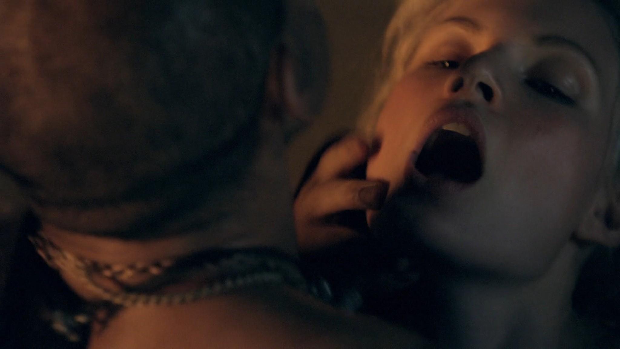 Viva Bianca nude Katrina Law, Bonnie Sveen all nude -Spartacus - Vengeance (2012) e2 1080p (2)