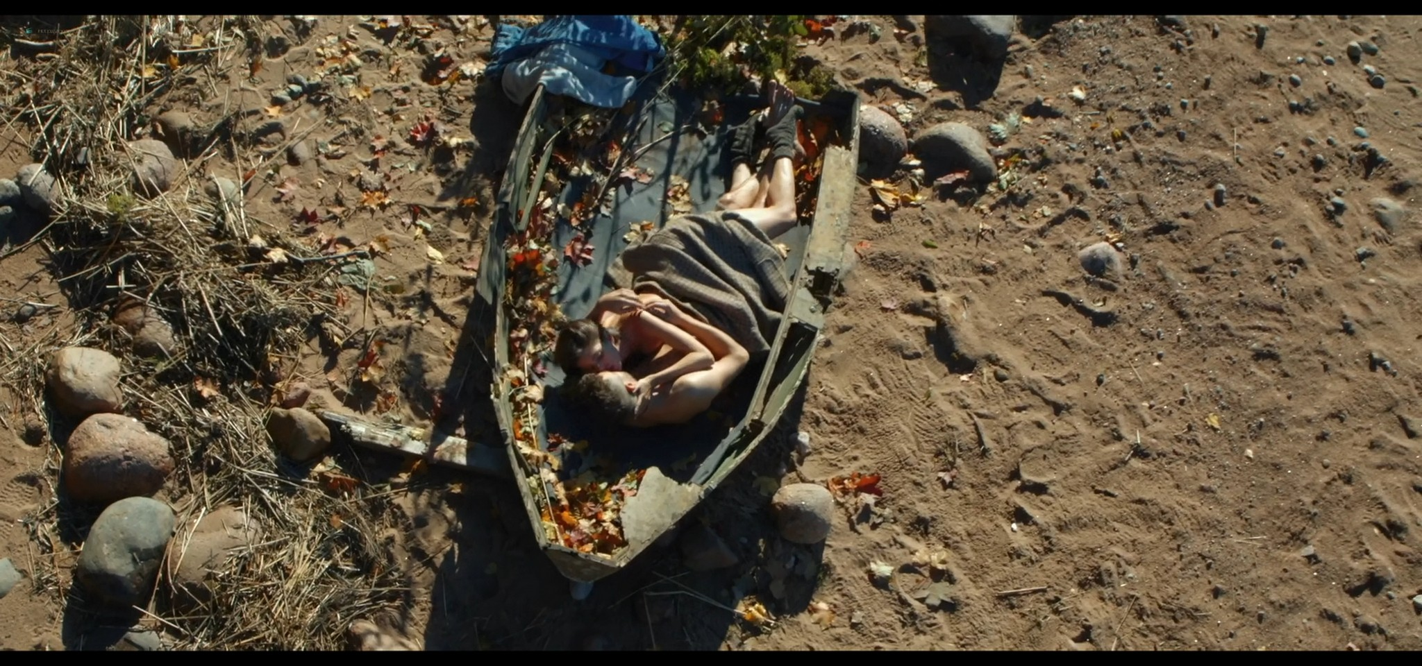 Yulia Snigir hot and some sex Anna Chipovskaya, Yuliya Peresild sexy - The End of the Season (2019) HD 1080p Web (2)
