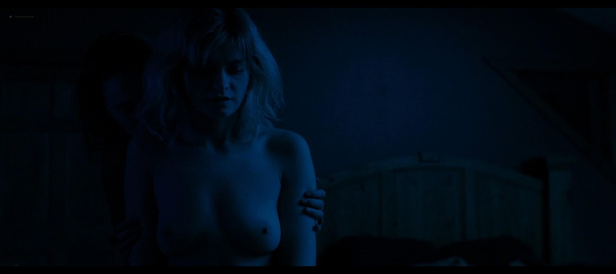 Anna Shields nude topless Rachel Finninger hot lesbian sex - Monstrous (2020) HD 1080p Web (5)