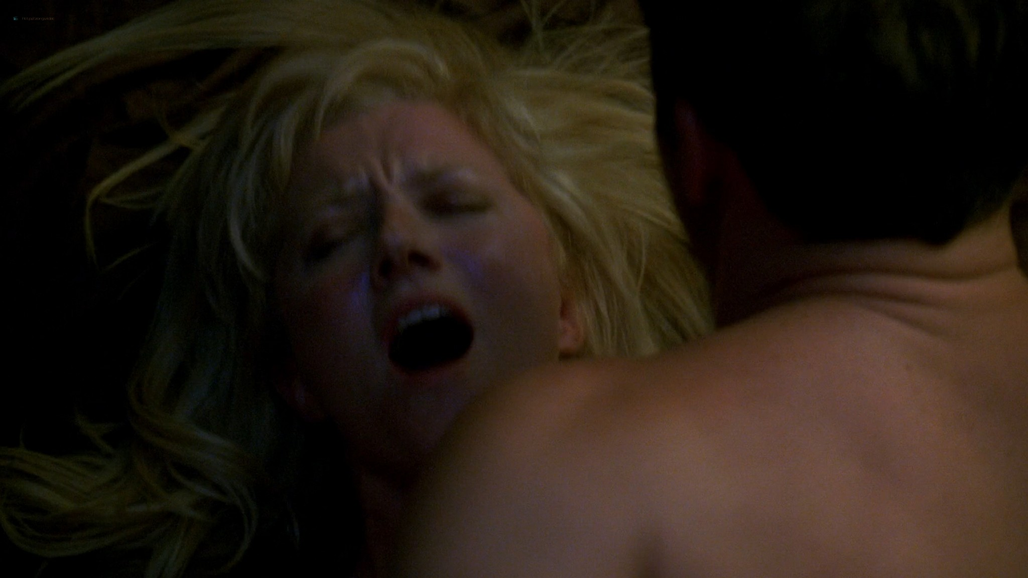 Jessalyn Gilsig Briefly Nude In The Shower And Some Sex In