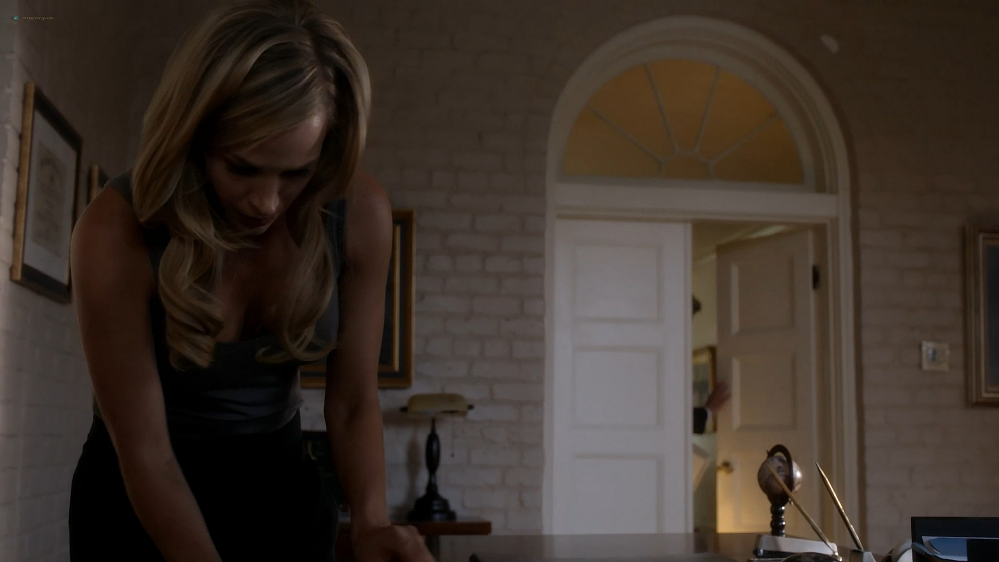 Julie Benz hot and sexy Teri Wyble, Kelly Overton sexy - Ricochet (2011) HD 1080p Web (11)