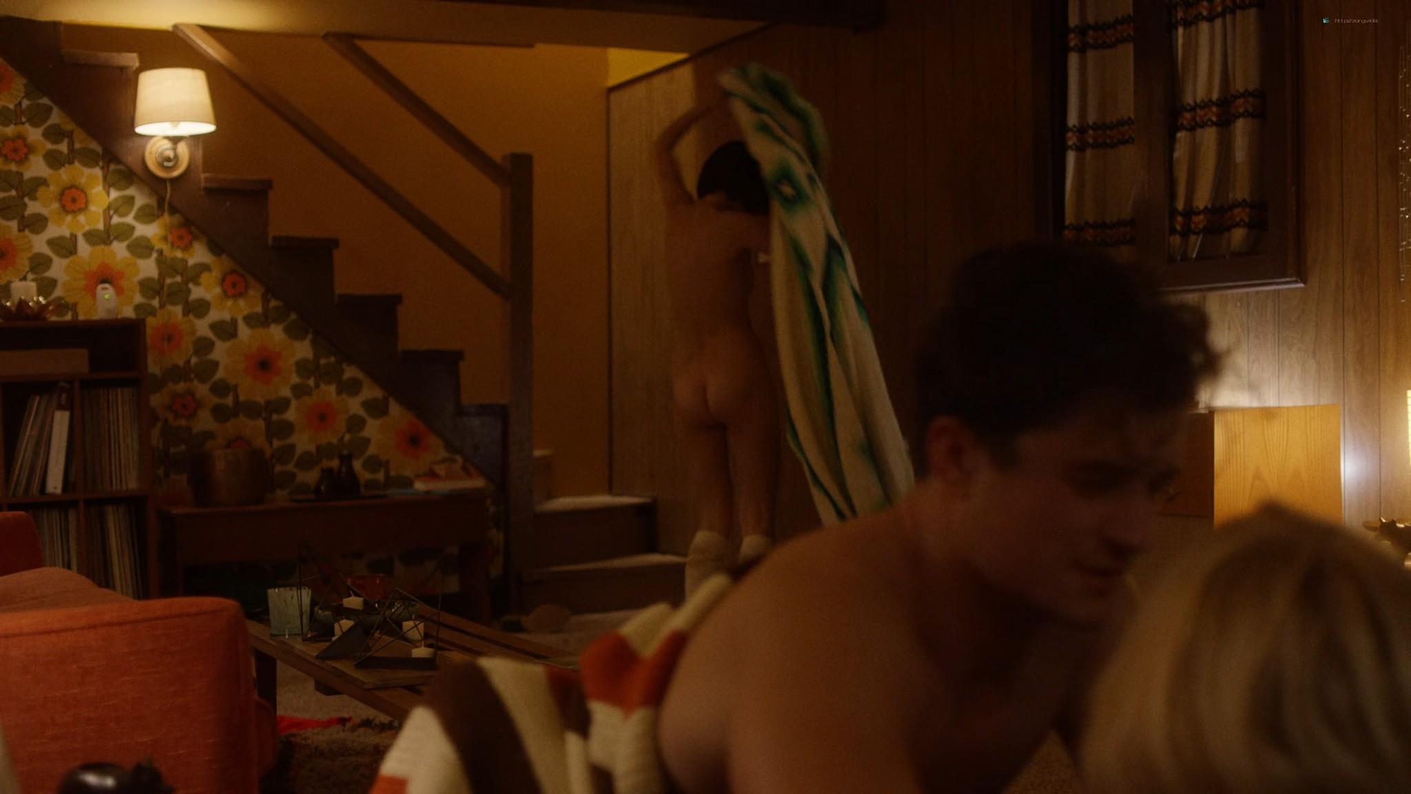 Malin Akerman nude sex threesome with Kate Micucci Easy 2016 s1e6 UHD 2160 1080p 017