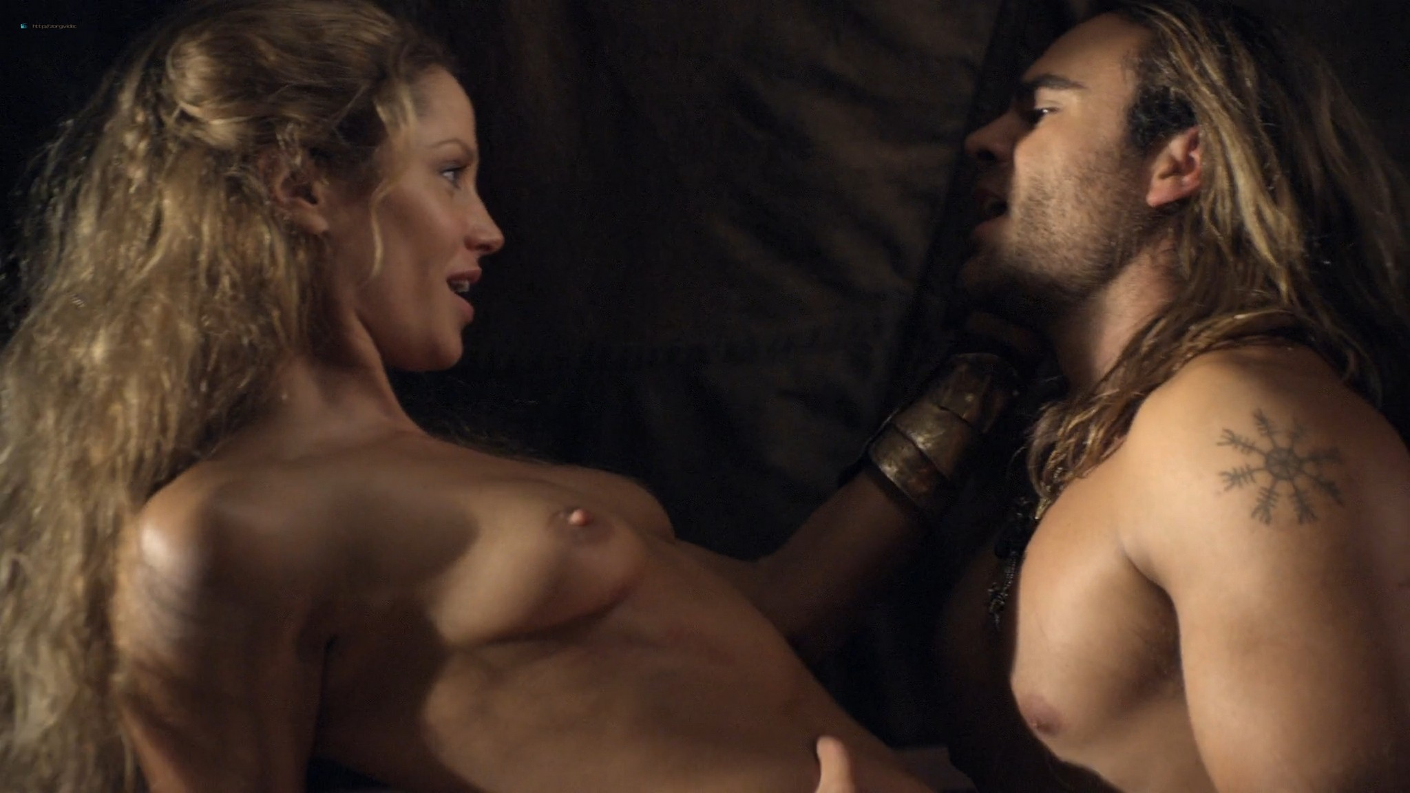 Ellen Hollman nude sex Jenna Lind Cynthia Addai Robinson and other nude Spartacus 2013 HD 1080p BluRay 010