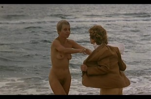 Isabelle Huppert nude full frontal and Hanna Schygulla nude bush - Storia di Piera (IT-1983) DvDrip