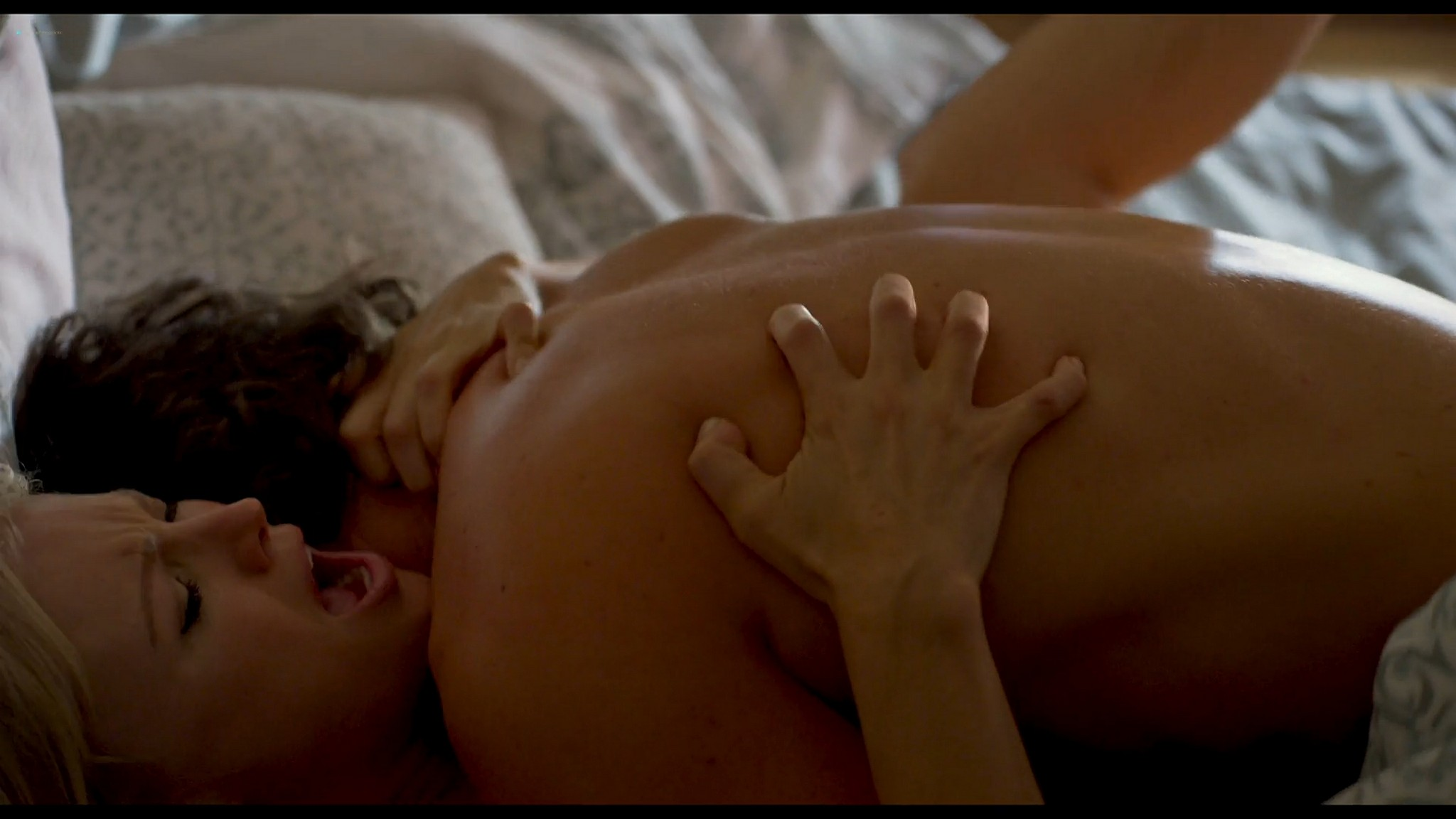 Malin Akerman hot and sexy Friendsgiving 2020 HD 1080p BluRay 009