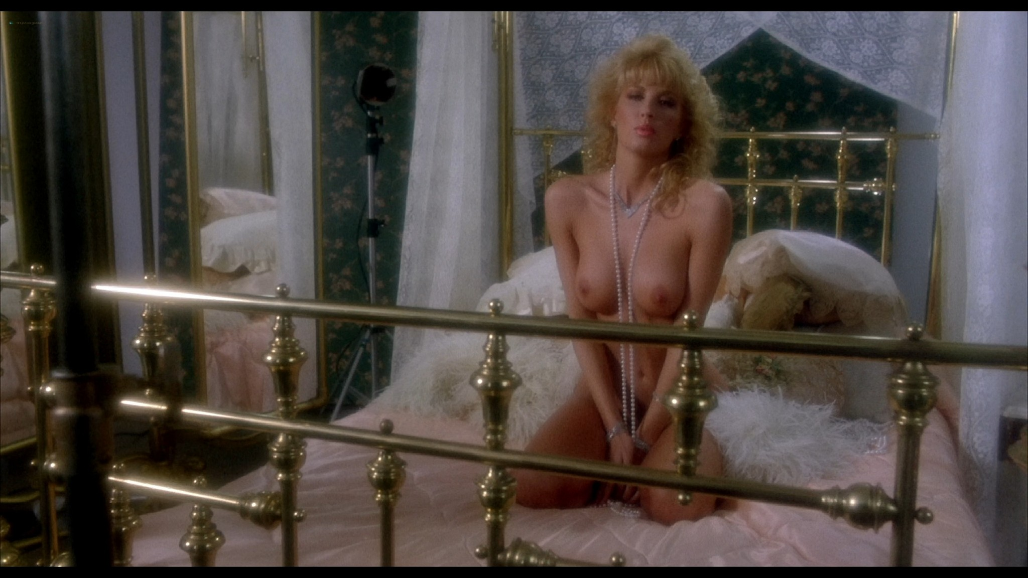 Monique Gabrielle nude full frontal Corinne Wahl and other nude and sexy Amazon Women on The Moon 1987 HD 1080p BluRay REMUX 002