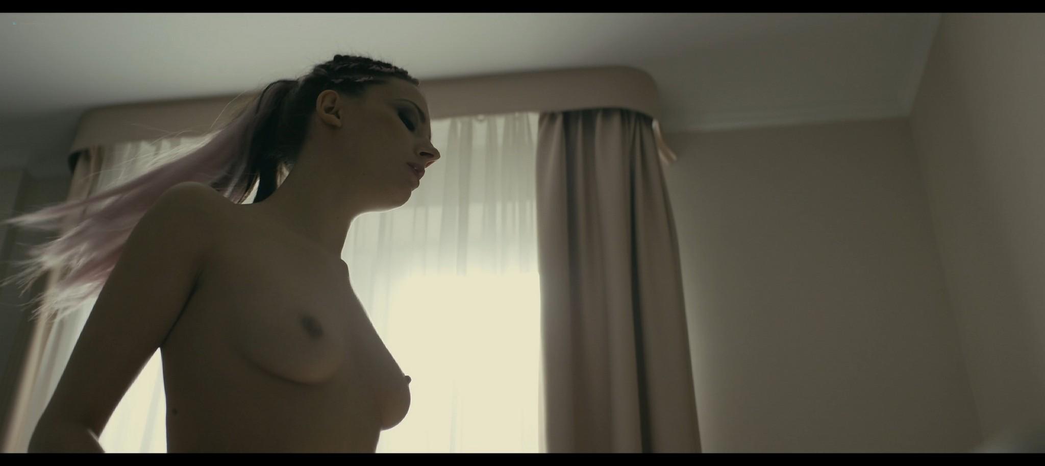 Katarzyna Warnke sex Aleksandra Nowicka Karolina Dziuba nude Petla PL 2020 1080 BluRay 01