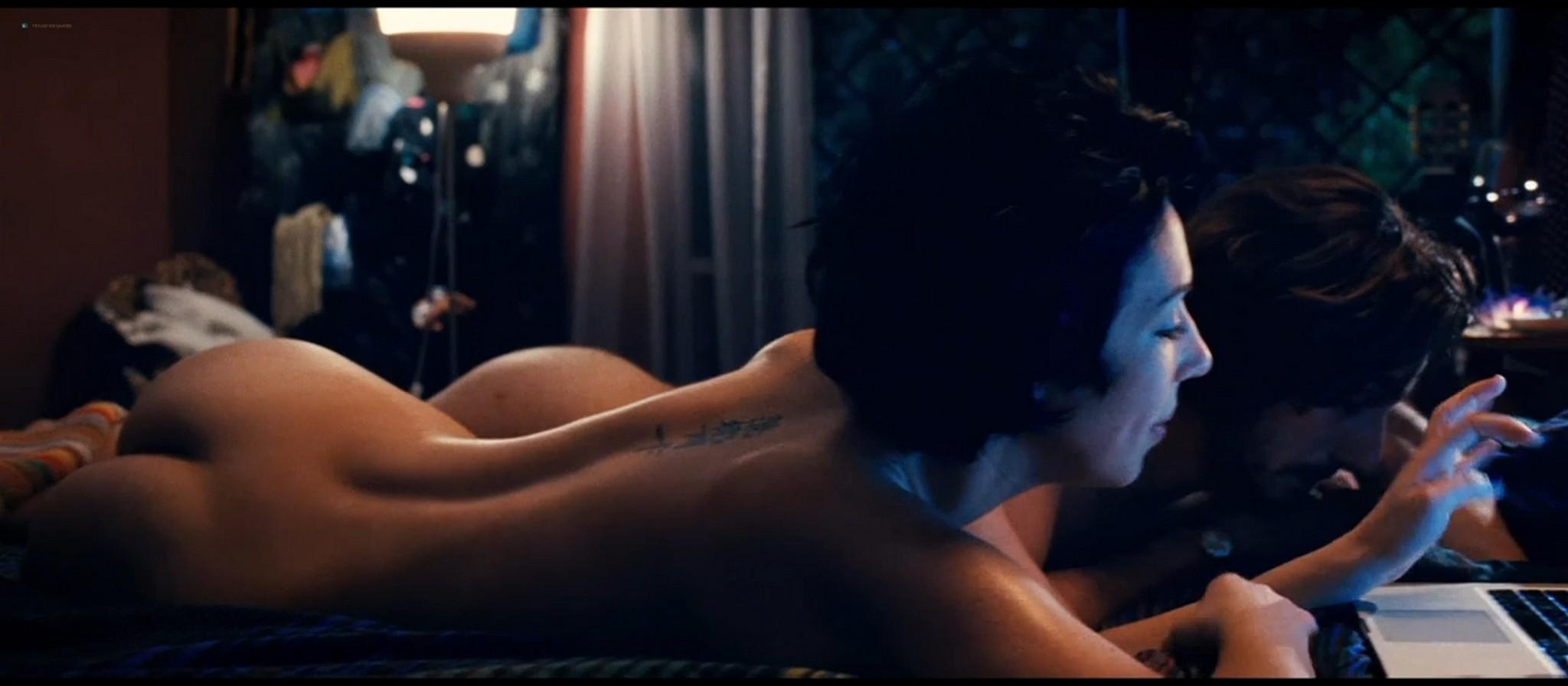 Thony Federica Victoria Caiozzo nude butt and sex Stefania Felicioli sexy Tutti i santi giorni IT 2012 720p BluRay 09