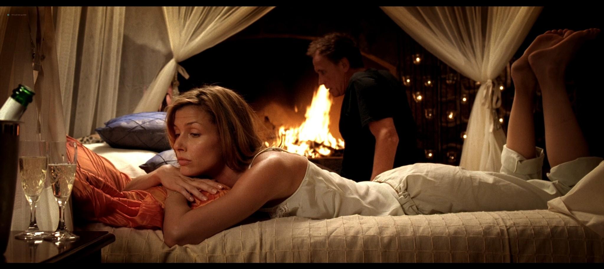 Bridget Moynahan hot and sexy Prey 2007 1080p BluRay REMUX 6