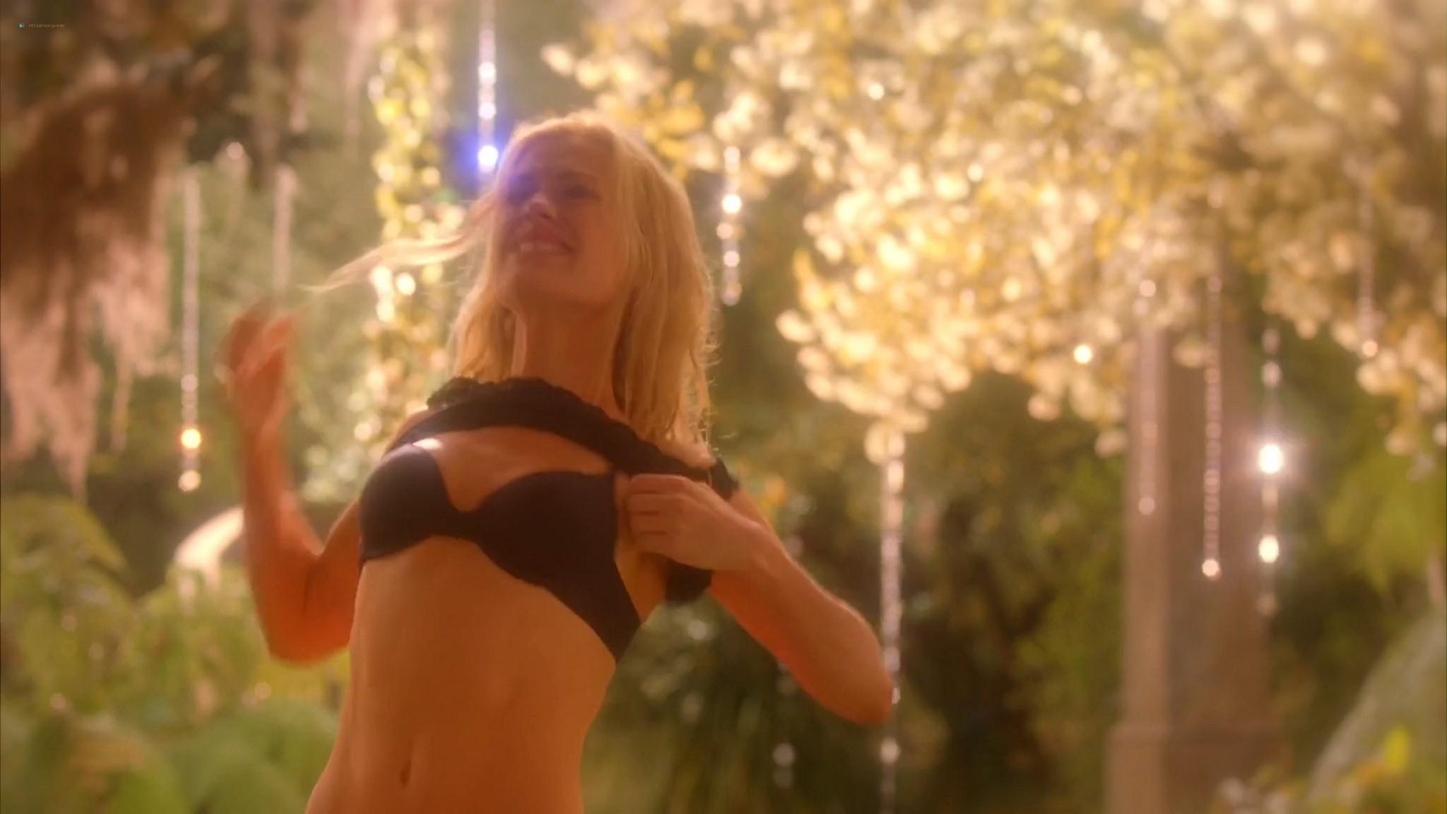 Anna Paquin nude topless and Deborah Ann Woll hot sex – True Blood 2013 s6e7 HD 1080p 6
