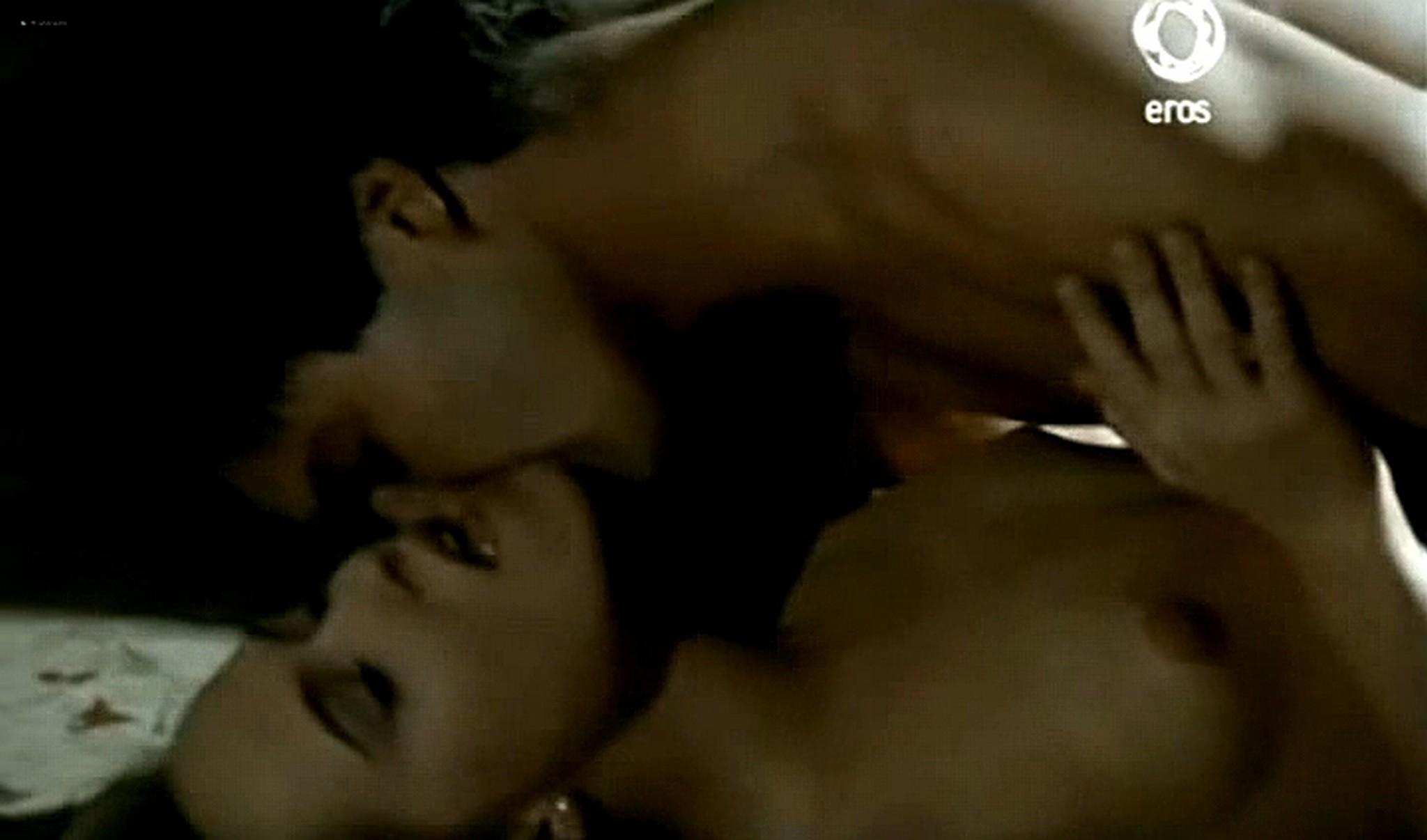 Josie Bissett nude and lot of hot sex Desire IT 1990 TVrip 10