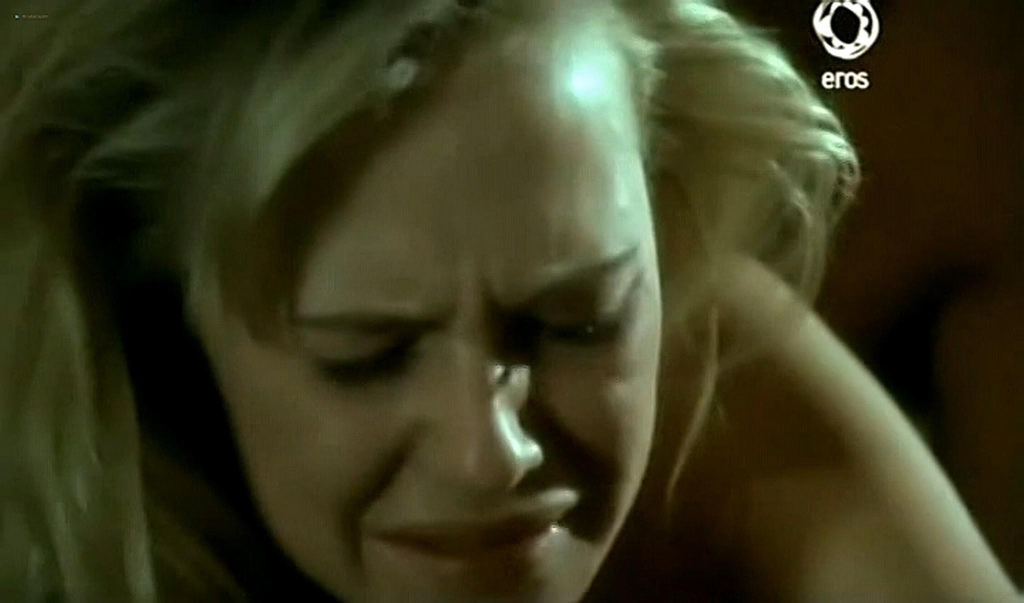 Josie Bissett nude and lot of hot sex Desire IT 1990 TVrip 16