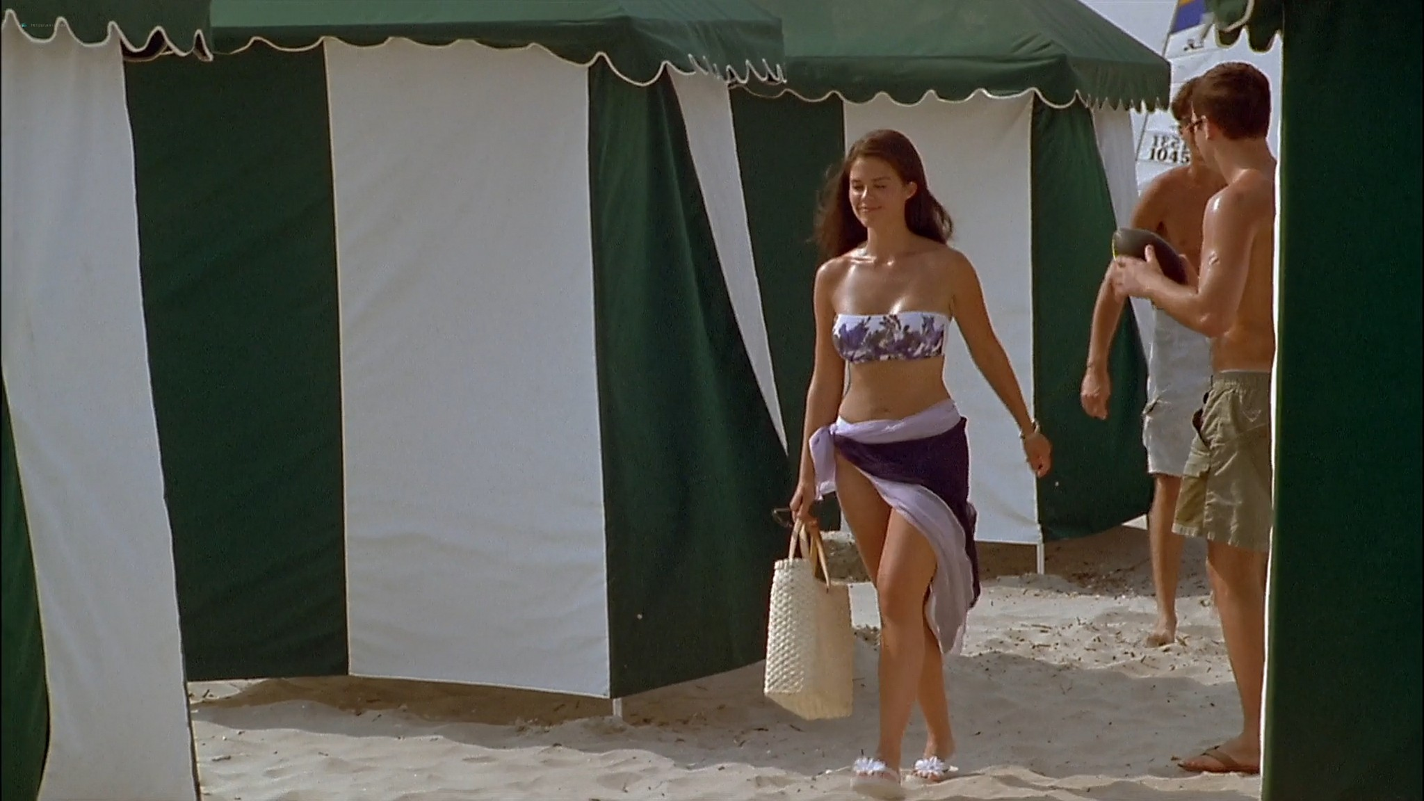 Susan Ward nude Lori Heuring Erinn Bartlett Laurie Fortier hot The In Crowd 2000 1080p Web 4