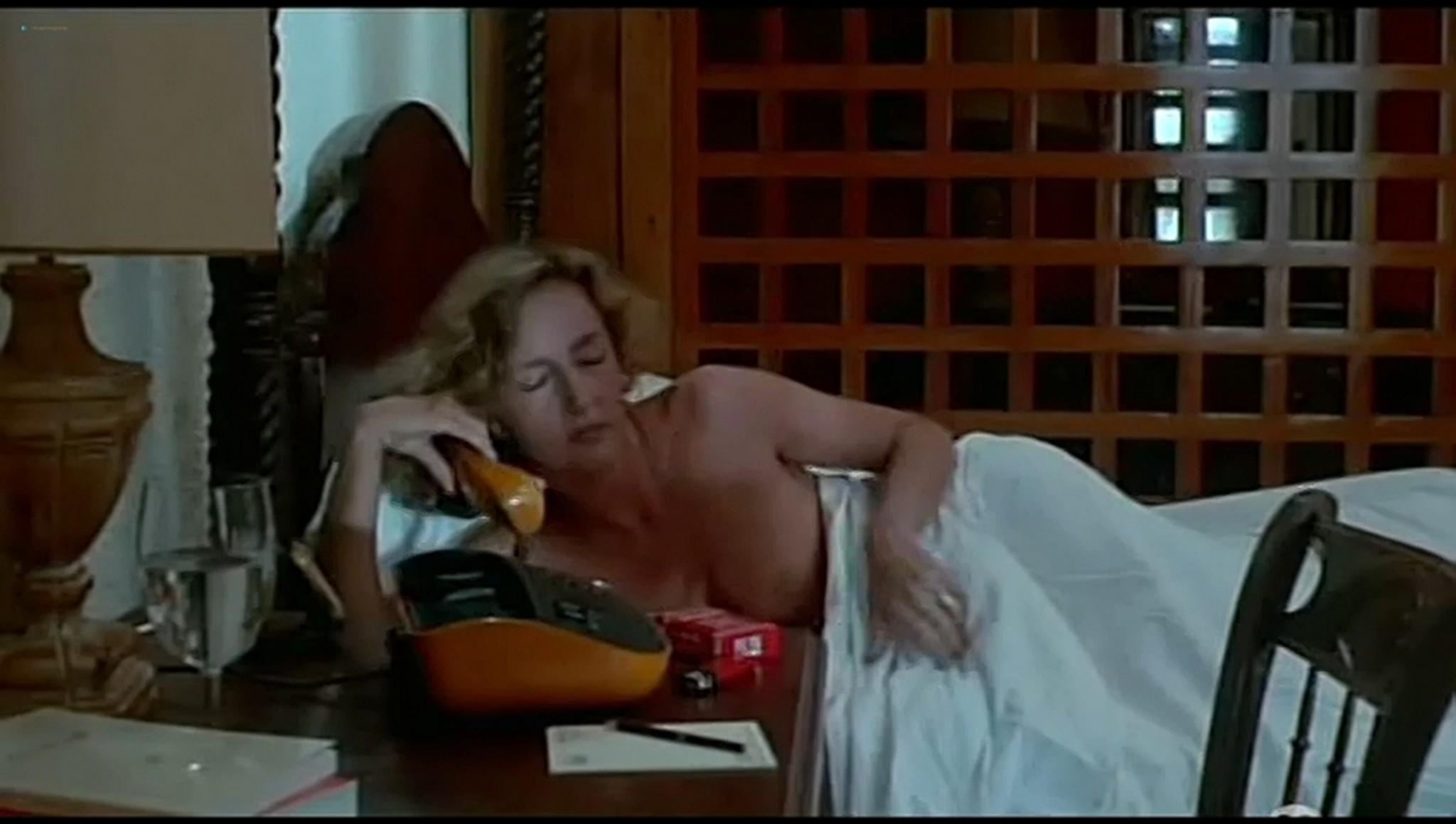 Valerie Kaprisky nude full frontal Caroline Cellier and others nude L annee des meduses 1984 7