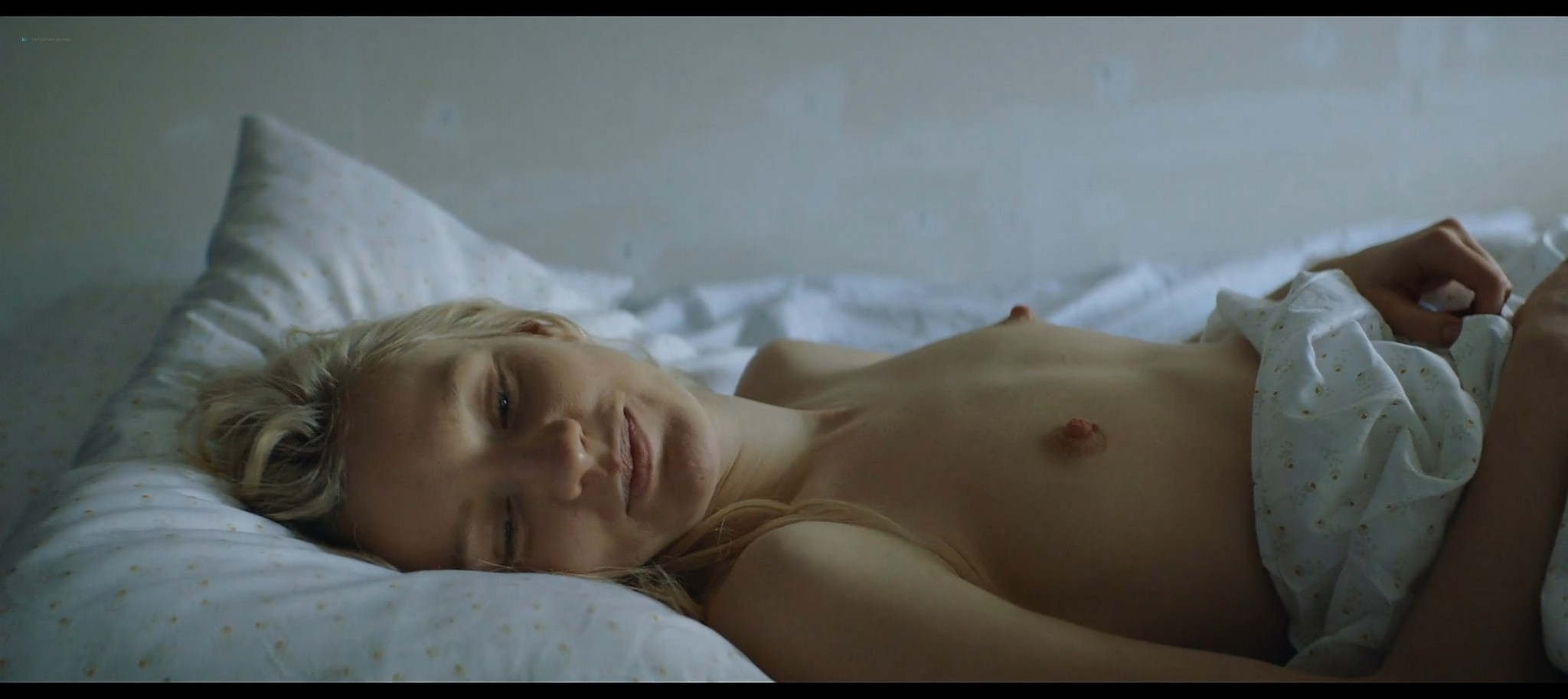 Lena Tronina nude and hot sex Happy End RU 2021 S1e3 4 1080p Web 10