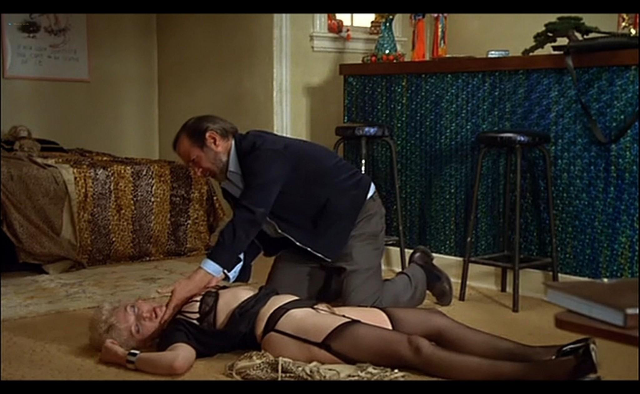 Ornella Muti nude Susan Tyrrell nude full frontal Storie Di Ordinaria Follia 1981 2