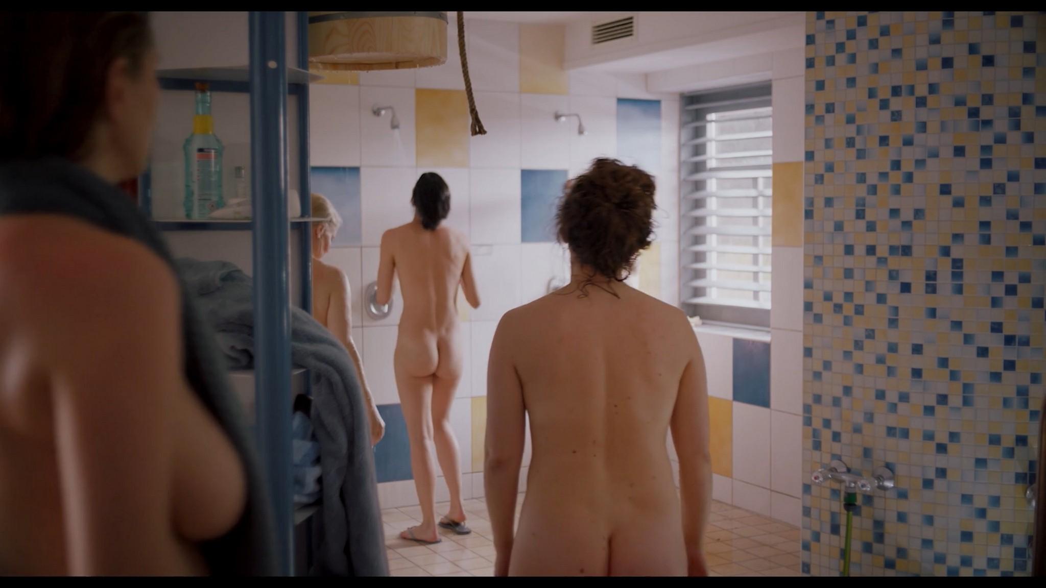Antonia Bill nude full frontal Amanda da Gloria Helene Blechinger and others nude too Hitzig Ein Saunagang DE 2021 1080p 4