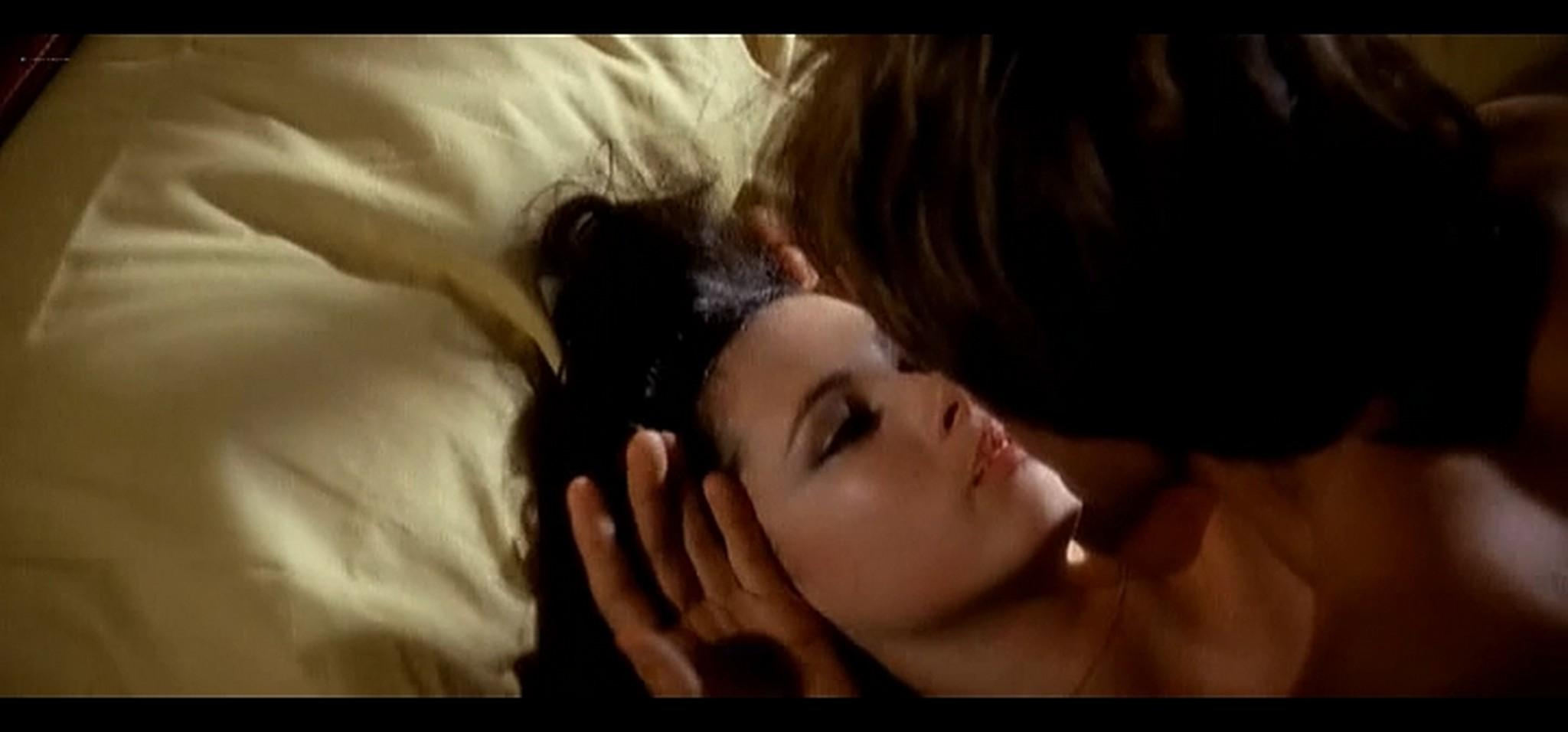 Dayle Haddon nude some sex La citta gioca d azzardo IT 1975 4