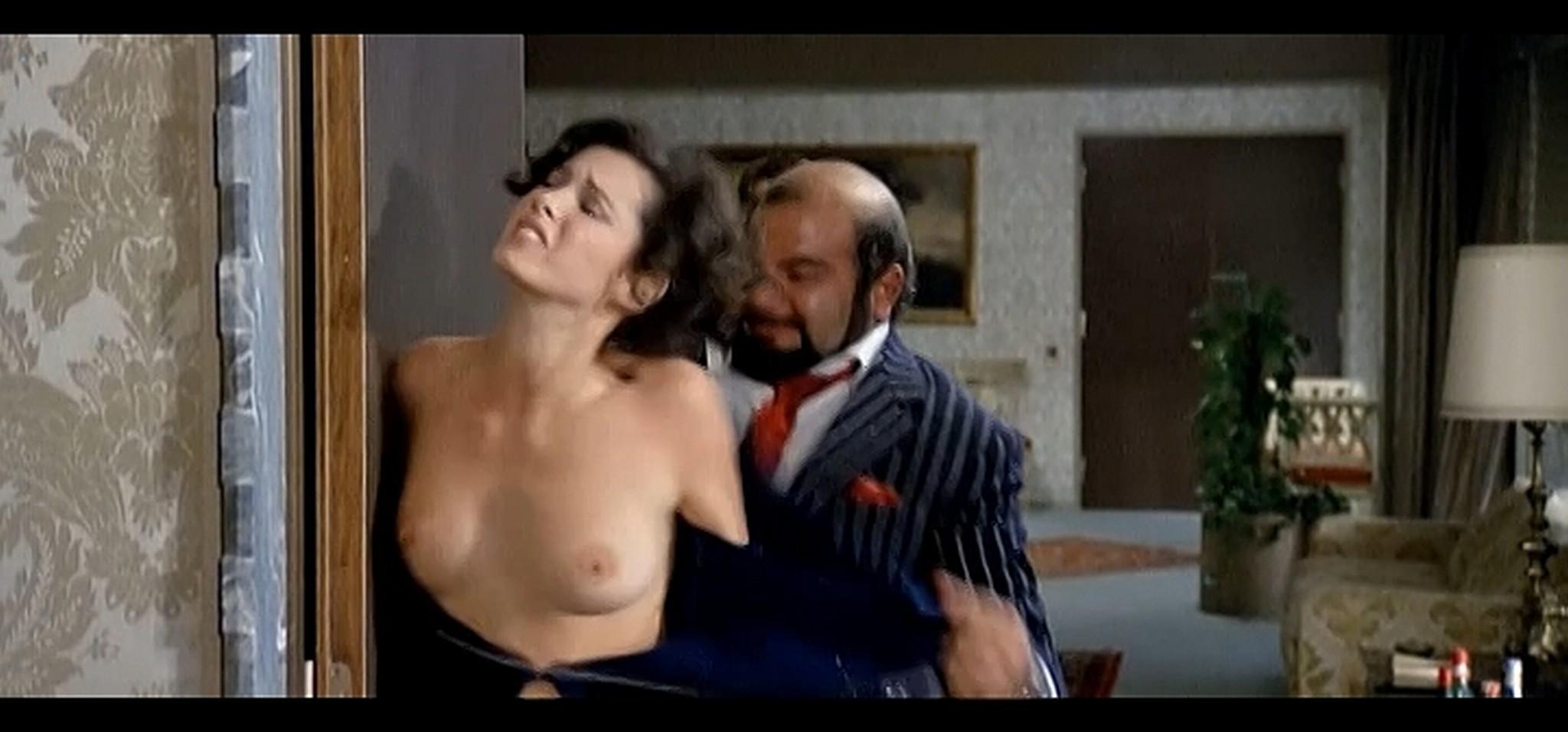 Dayle Haddon nude some sex La citta gioca d azzardo IT 1975 7