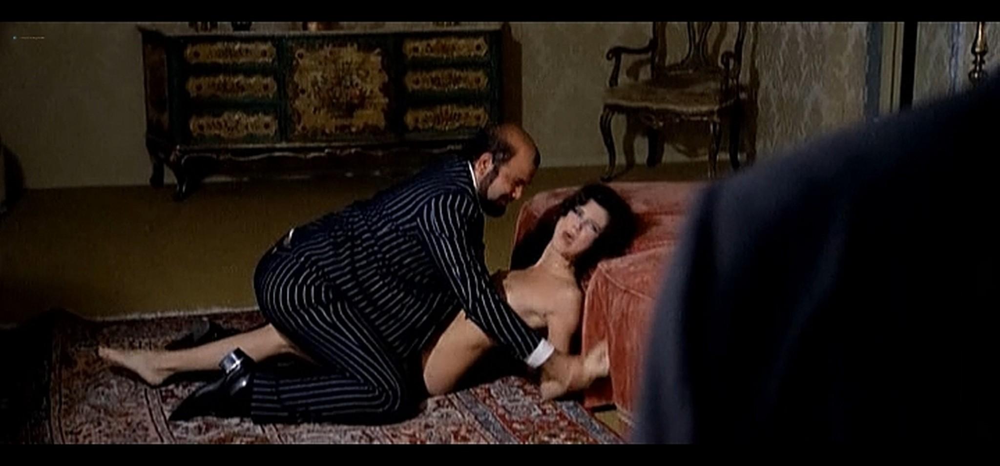 Dayle Haddon nude some sex La citta gioca d azzardo IT 1975 9