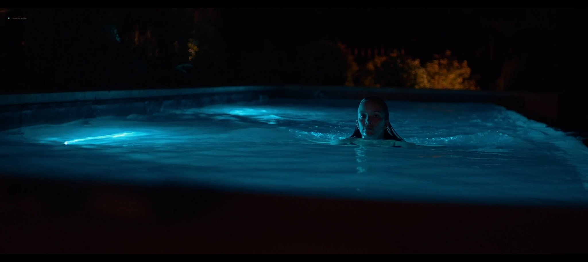 Heather Graham sexy Sophie Nelisse Jodi Balfour hot The Rest of Us 2019 1080p WEB 9