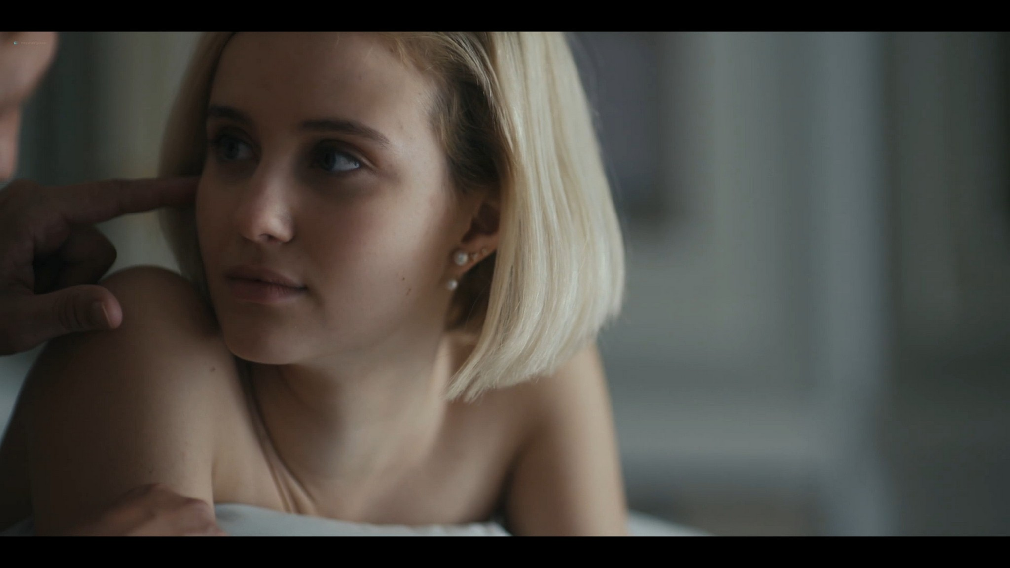 Julia Goldani Telles hot and sex The Girlfriend Experience 2021 s3e4 1080p Web