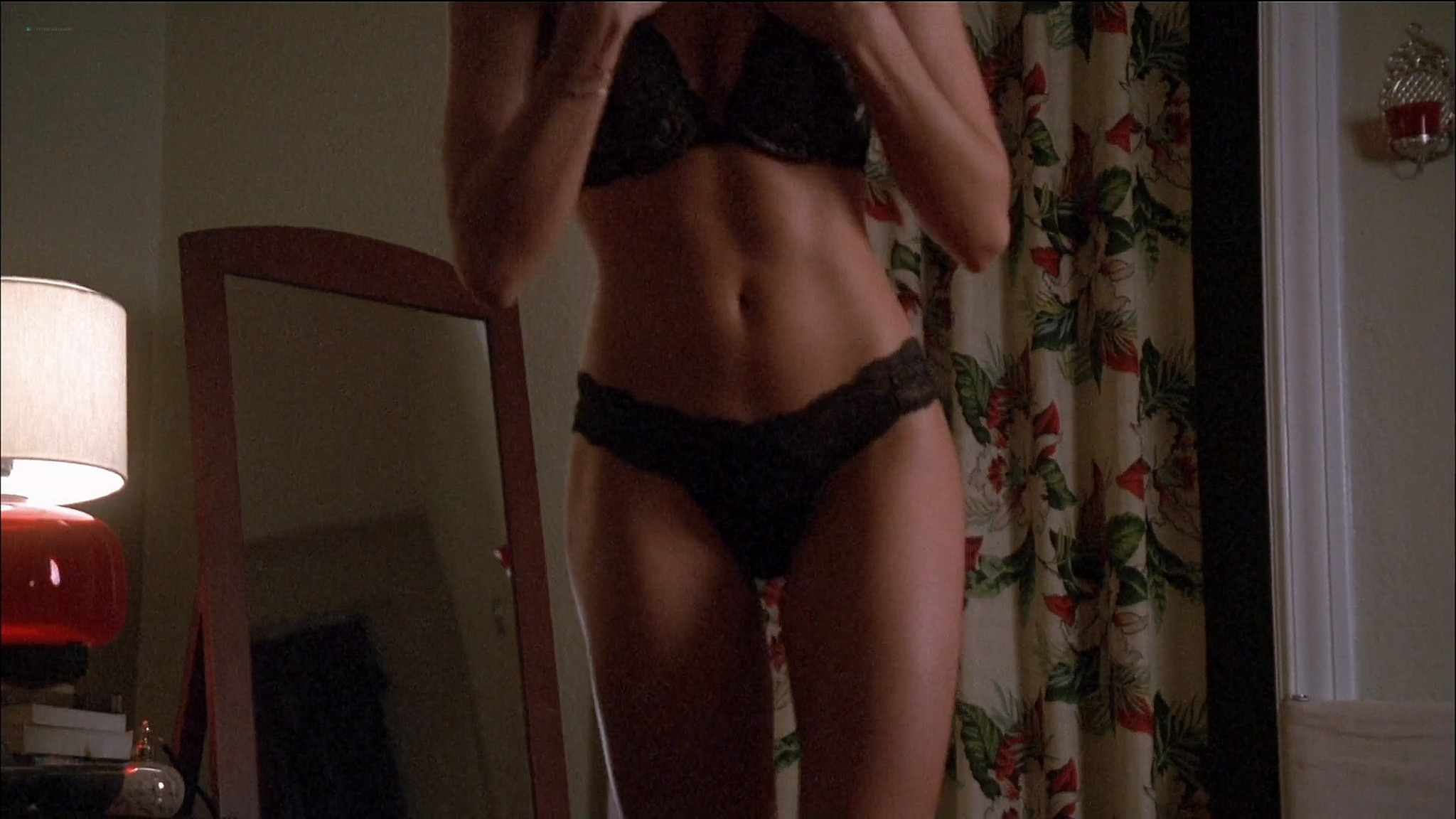 Kristen Miller hot and sex Allison Lange Brooke Burns sexy and some sex too Single White Female 2 2005 1080p Web 3