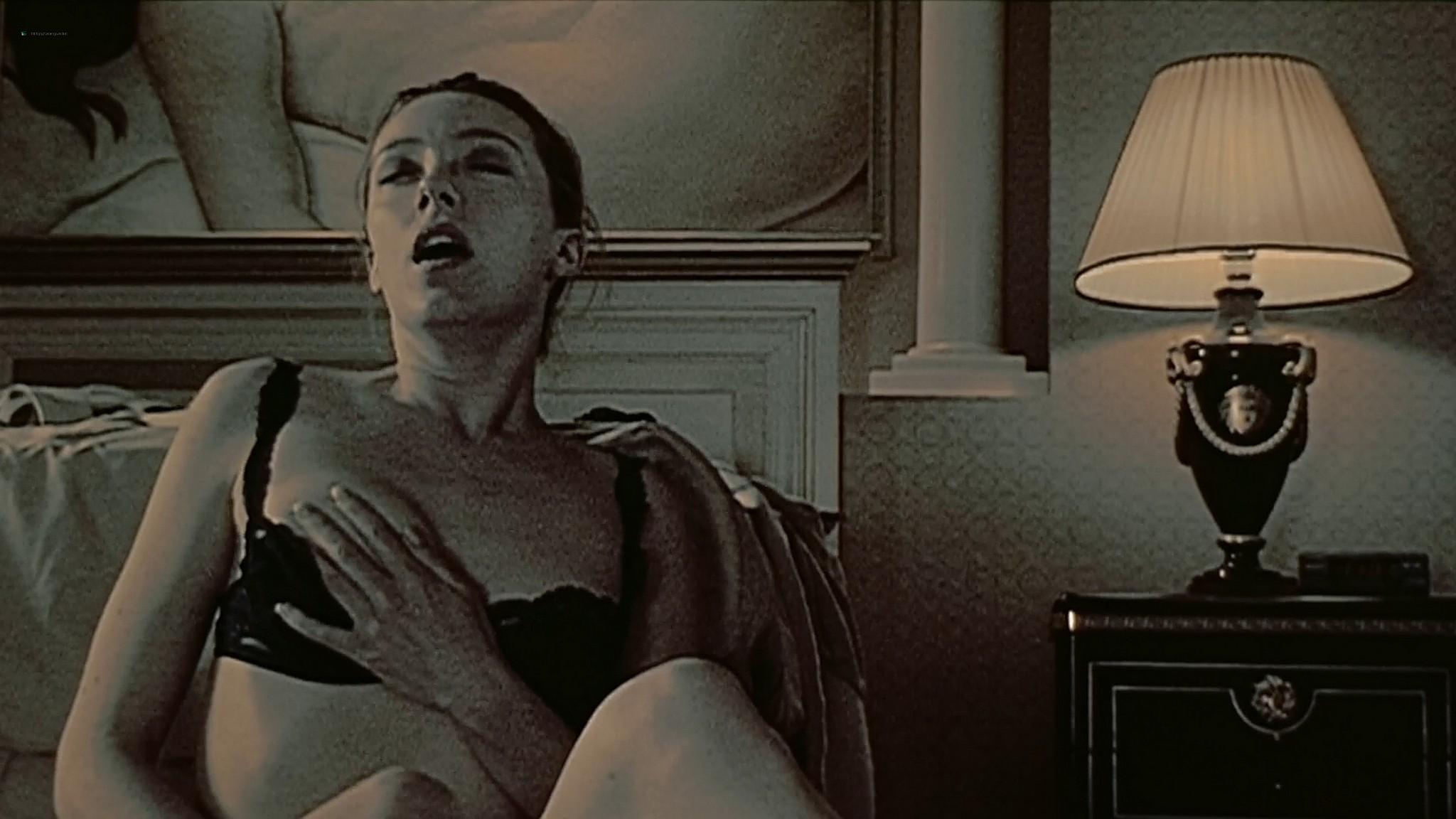 Molly Parker nude sex Alisha Klass explicit Carla Gugino sexy The Center of the World 2001 1080p 19