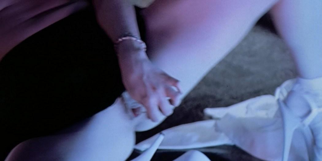 Molly Parker nude sex Alisha Klass explicit Carla Gugino sexy The Center of the World 2001 1080p 2