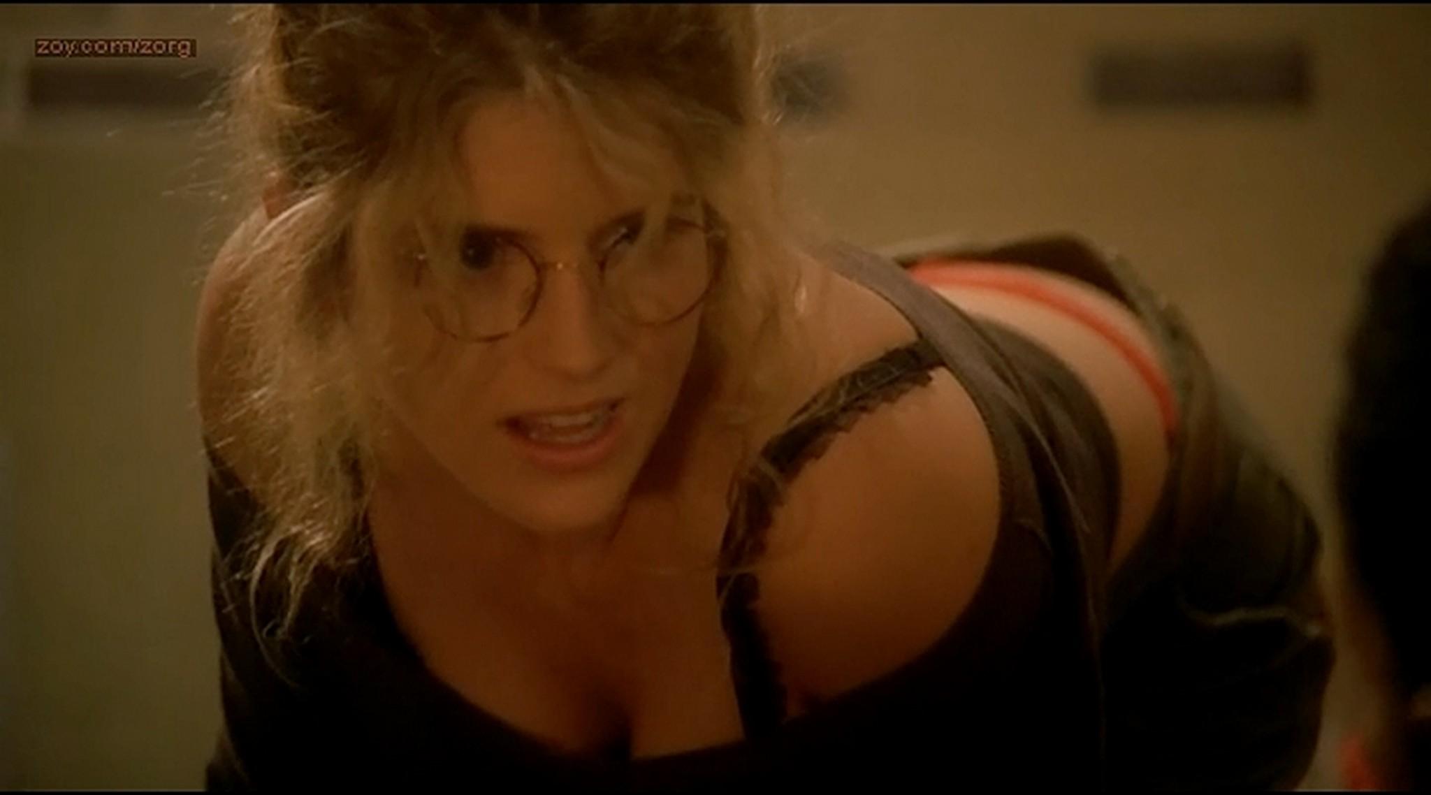 Alice Taglioni nude Mathilde Seigner hot lingerie Detrompez vous FR 2007 3