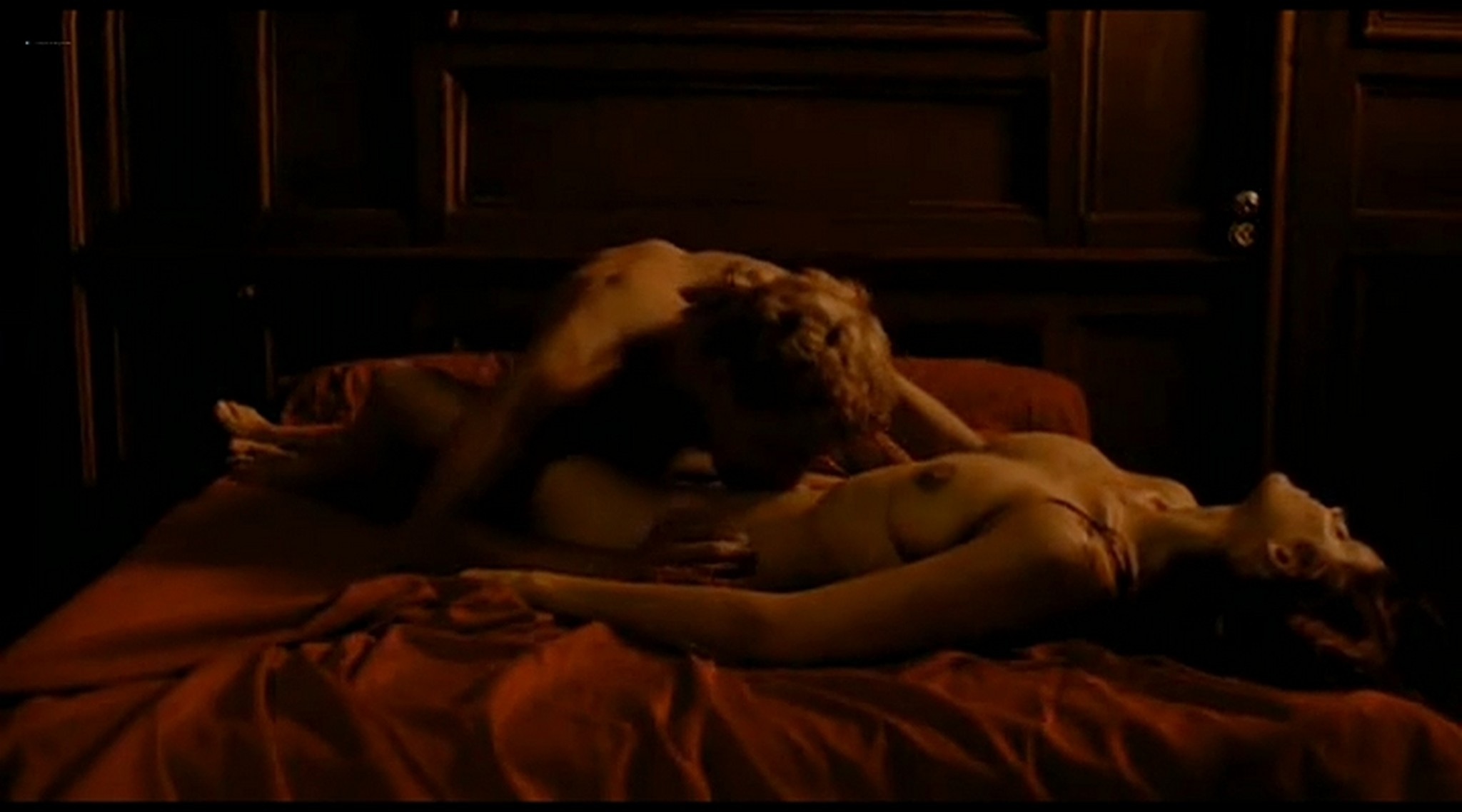 Alice Taglioni nude topless and hot sex Grande ecole FR 2004 DVDRip