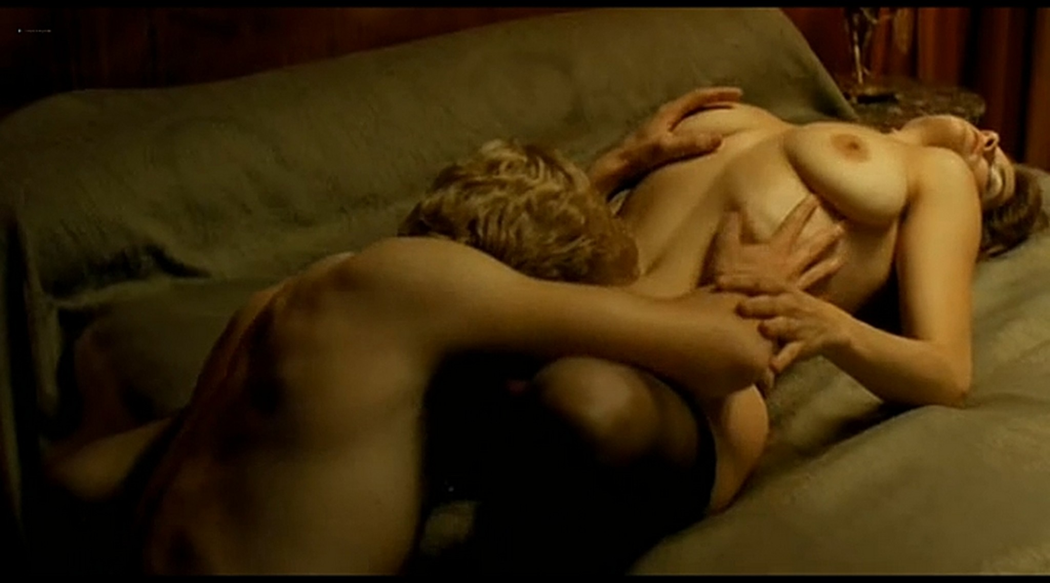 Alice Taglioni nude topless and hot sex Grande ecole FR 2004 DVDRip 16