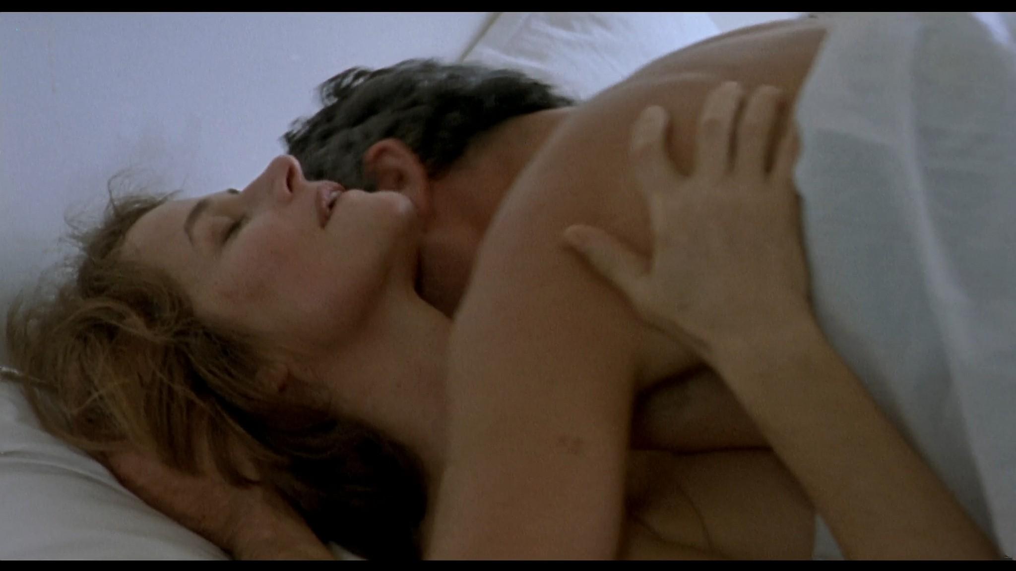 Charlotte Rampling nude sex Maya Gaugler nude full frontal Under the Sand FR 2000 1080p BluRay REMUX 5