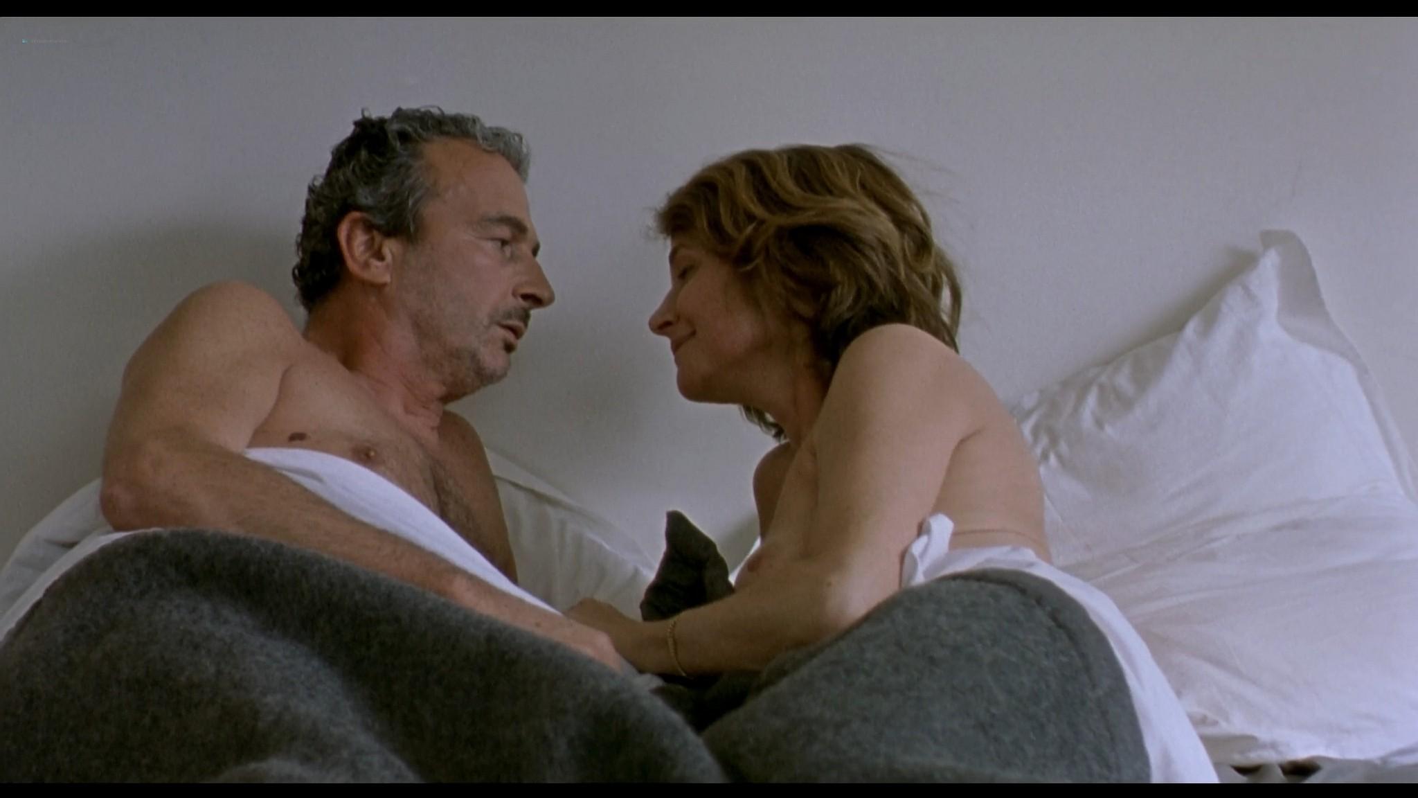 Charlotte Rampling nude sex Maya Gaugler nude full frontal Under the Sand FR 2000 1080p BluRay REMUX 6