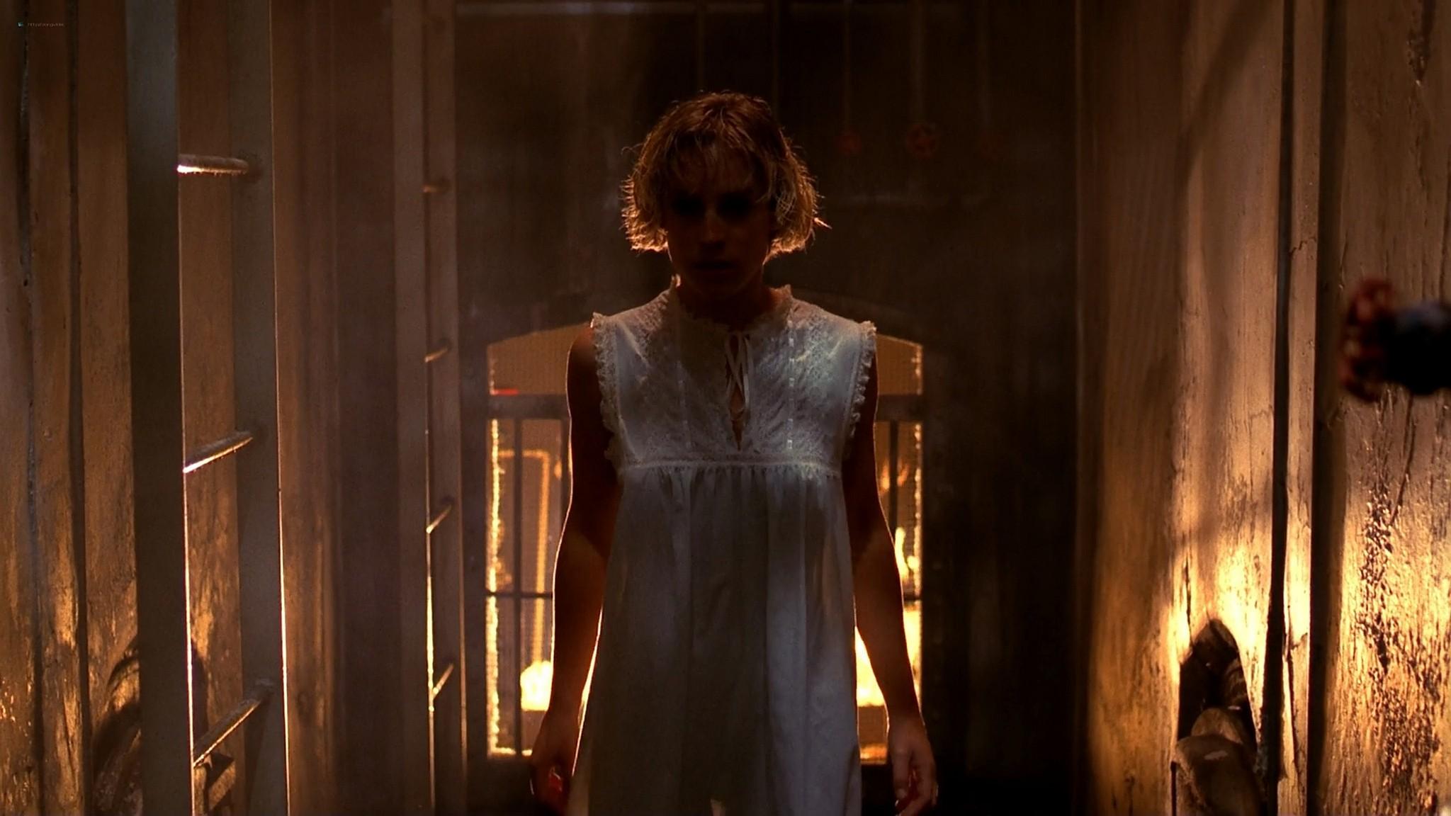Heather Langenkamp sexy Amanda Wyss hot A Nightmare on Elm Street 1984 1080p BluRay