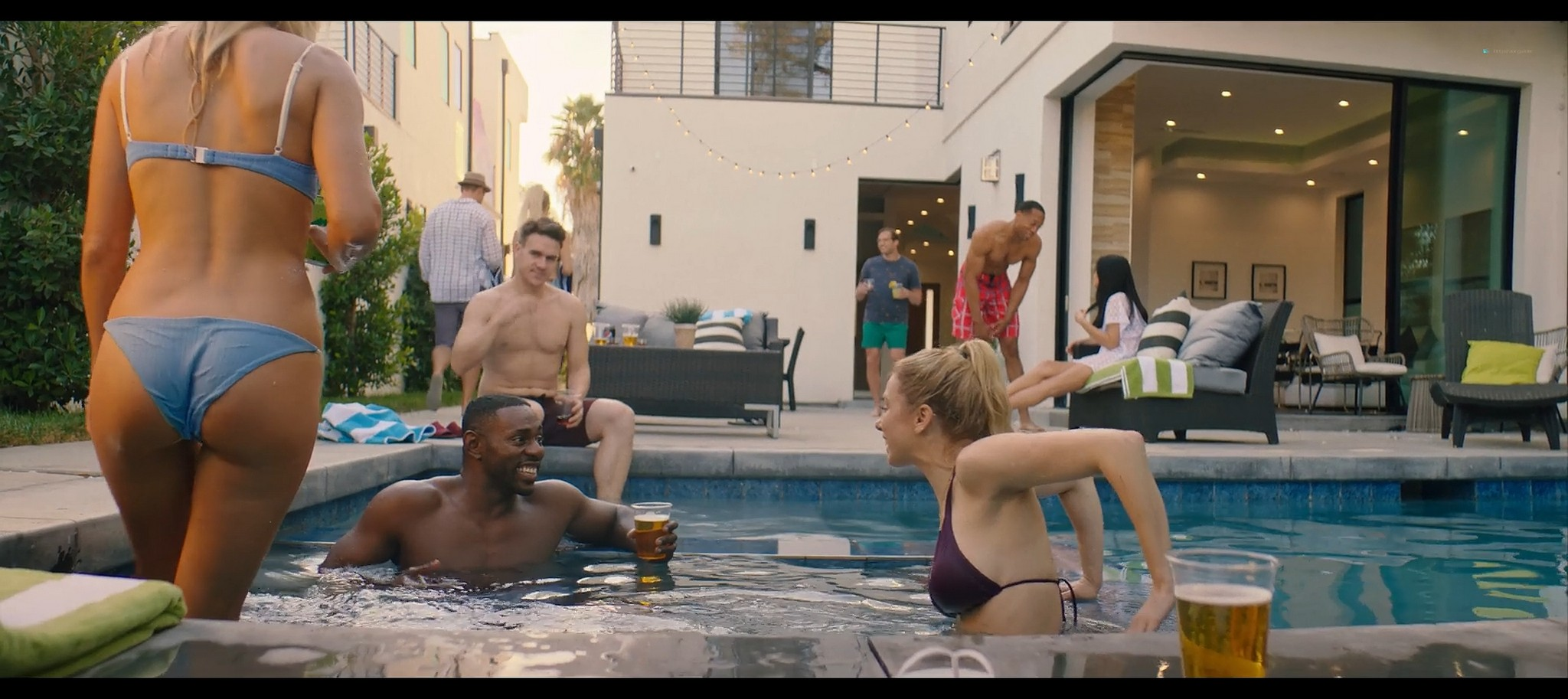Iliza Shlesinger hot and sexy Good on Paper 2021 1080p Web 3