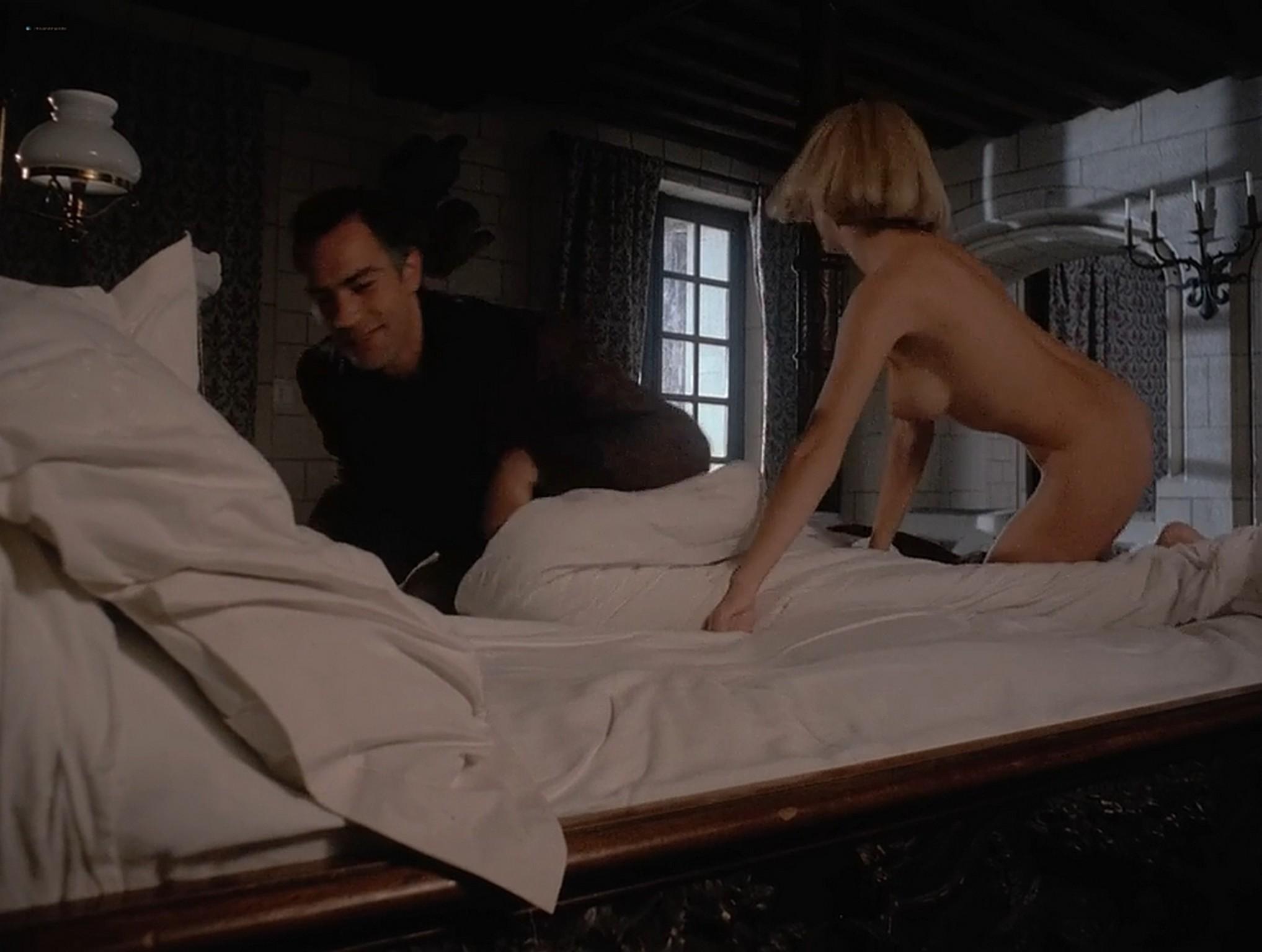 Jennifer Inch nude full frontal Sophie Favier hot sex Lady Libertine 1983 720p 7