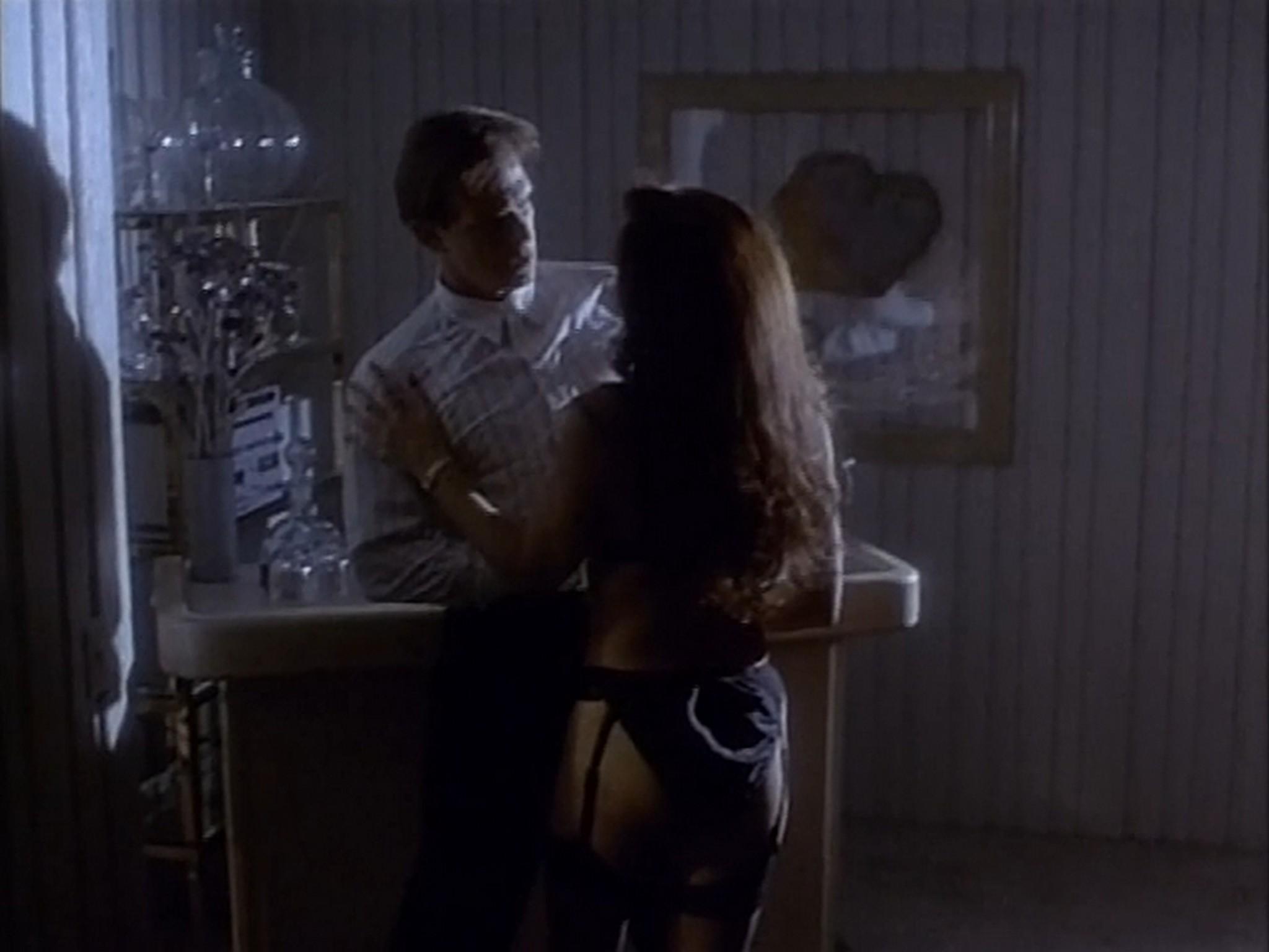 Tracy Scoggins nude sex Suzy Joachim sexy Ultimate Desires 1991 DVDRip 6