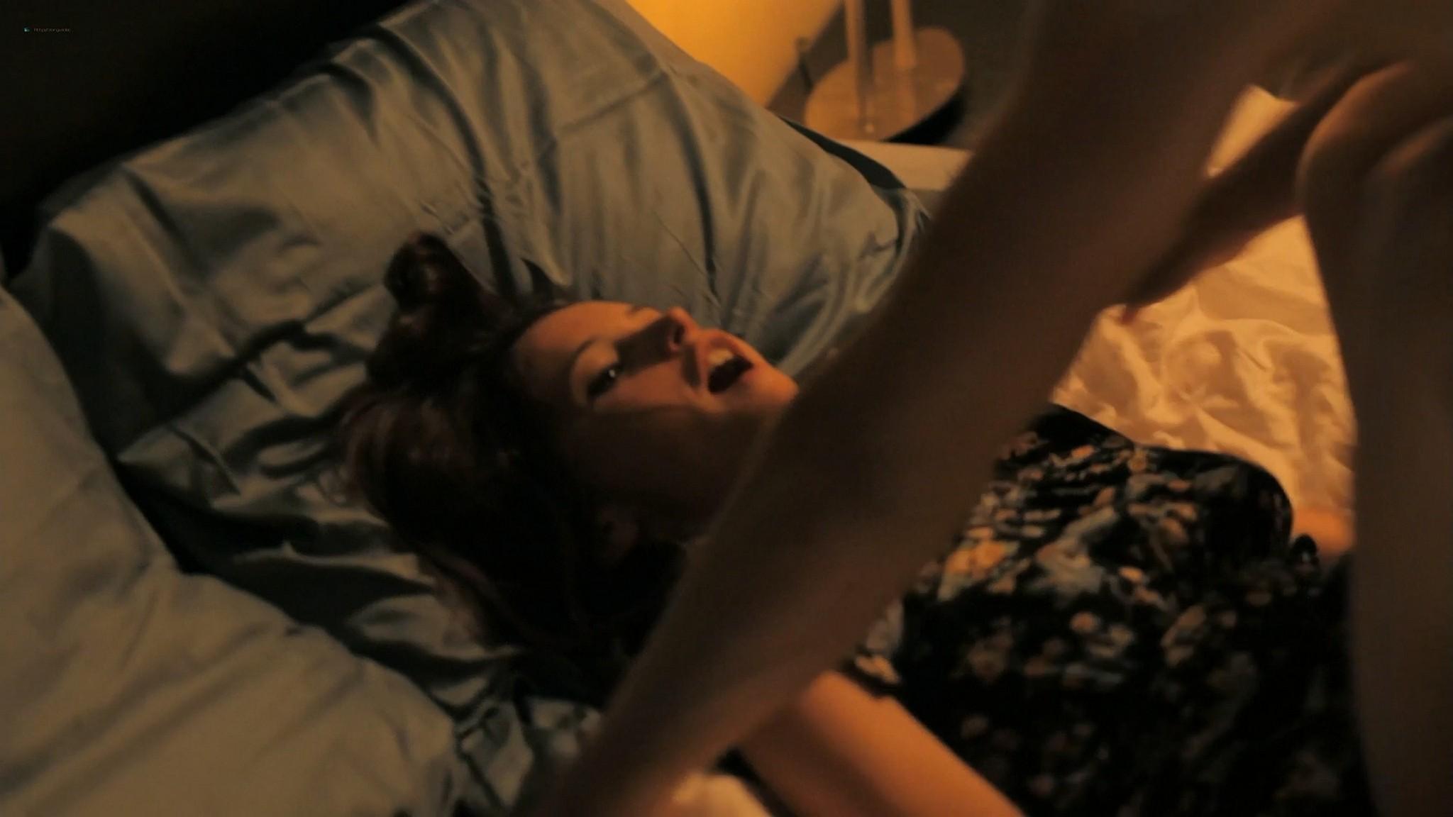 Felicity Jones sexy Jennifer Lawrence cute Like Crazy 2011 1080p BluRay 27