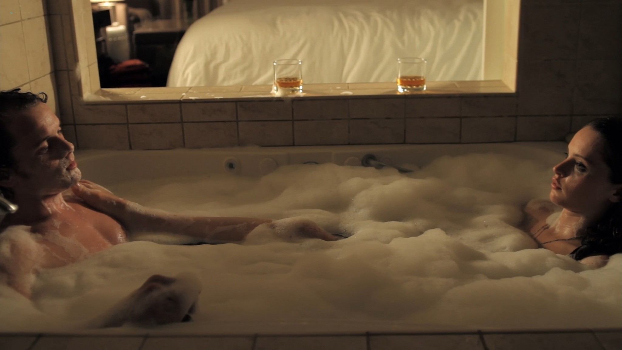 Felicity Jones sexy Jennifer Lawrence cute Like Crazy 2011 1080p BluRay 7