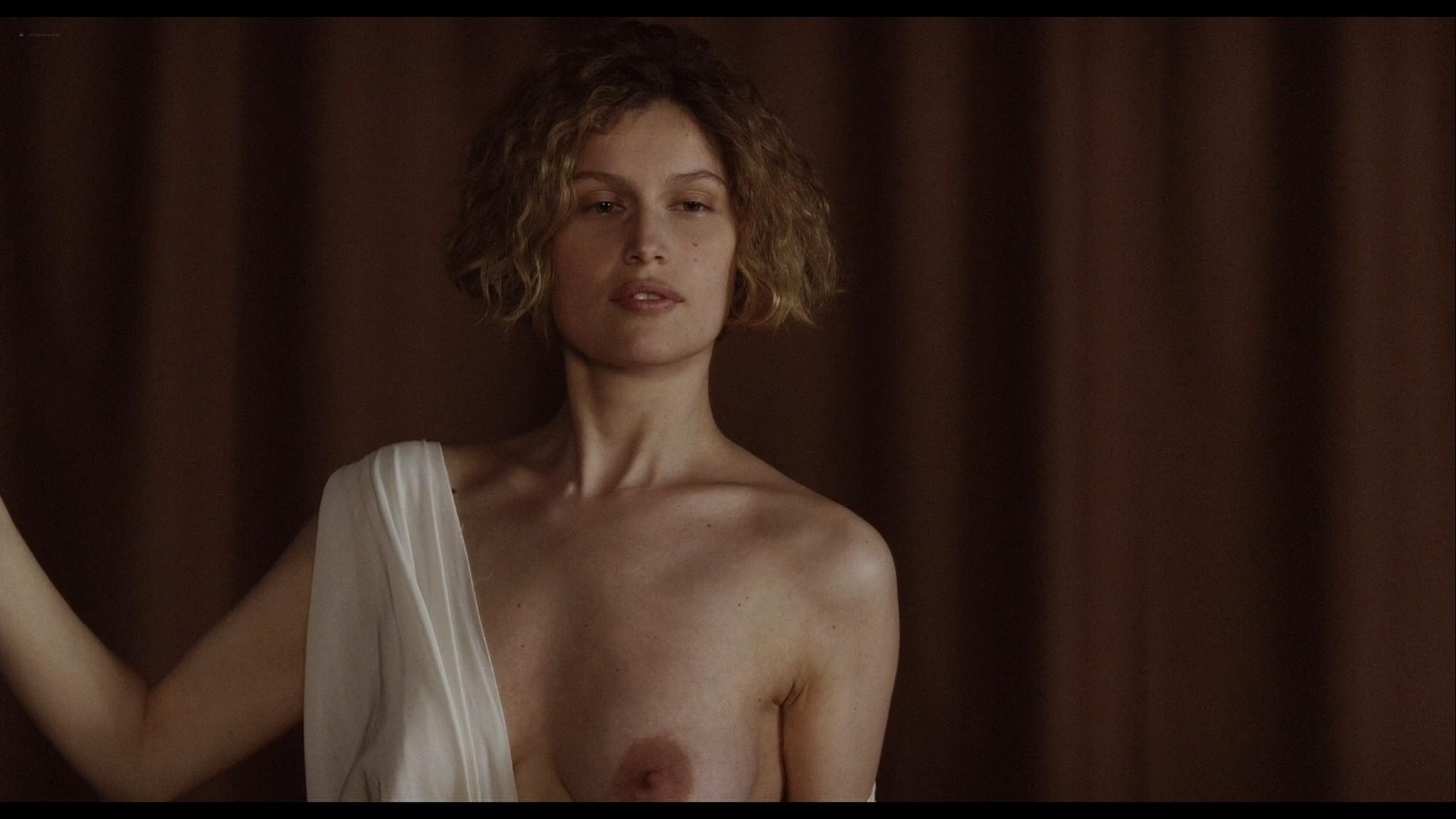 Laetitia Casta nude topless and very hot La jeune fille et les loups 2007 HD 1080p BluRay 5