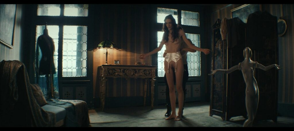 Janina Rudenska nude full frontall Martina Limonta Lidiya Liberman nude too Il cattivo poeta IT 2020 1080p Web 10