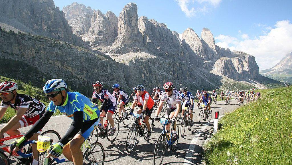 Sella Ronda Bike Day, o desbunde dos ciclistas ao pedalar pelos allpes italianos |Foto: Wikipedia