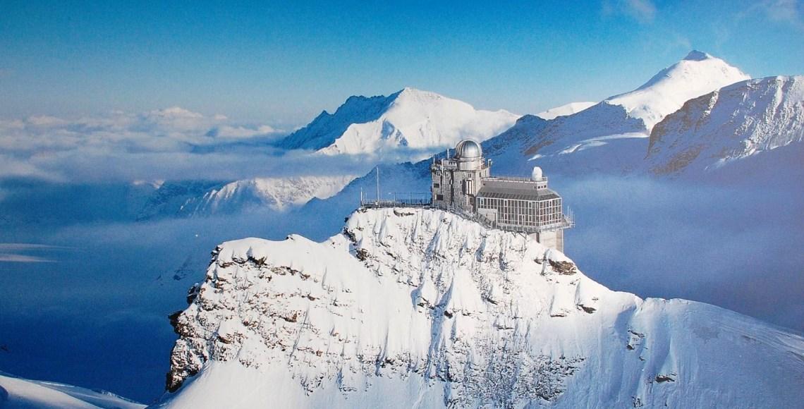 Jungfraujoch – Top of Europe tem neve o ano inteiro e uma série de atividades para toa a família | Foto: CC