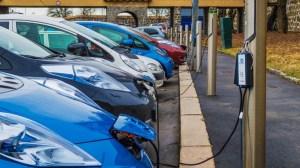 Δωρεάν πάρκινγκ στο κέντρο της Αθήνας για ηλεκτρικά αυτοκίνητα