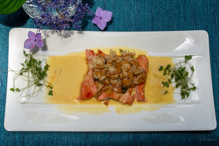 Scalloped Salmon with Chanterelle Sorrel Sauce