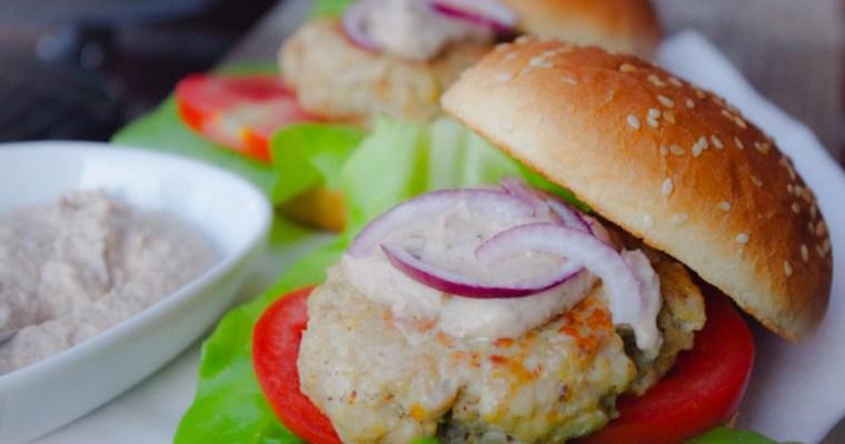 Broodje kipburger met tonnato