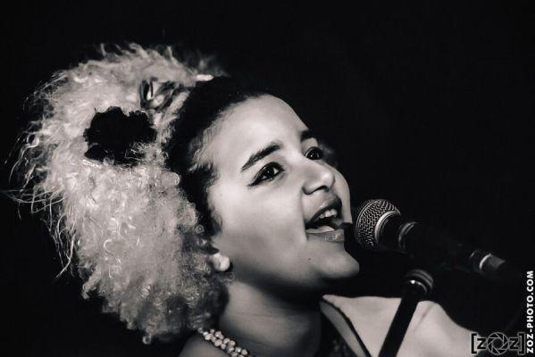 """Sarah Mikovski, Tremplin """"Et en plus elles chantent"""", Kraspek Myzik (Lyon), le 21 février 2014."""