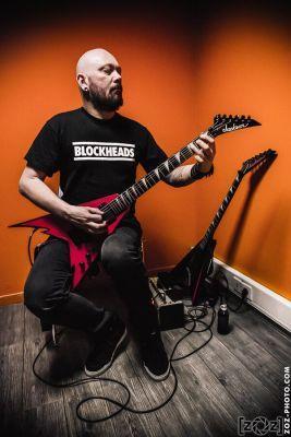 Stef Buriez et ses guitares Jackson, Brutale Coalition festival, Club du Transbordeur (Villeurbanne), le 28 février 2014.