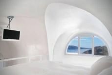 Katikies-Hotel-in-Santorini-Greece-11